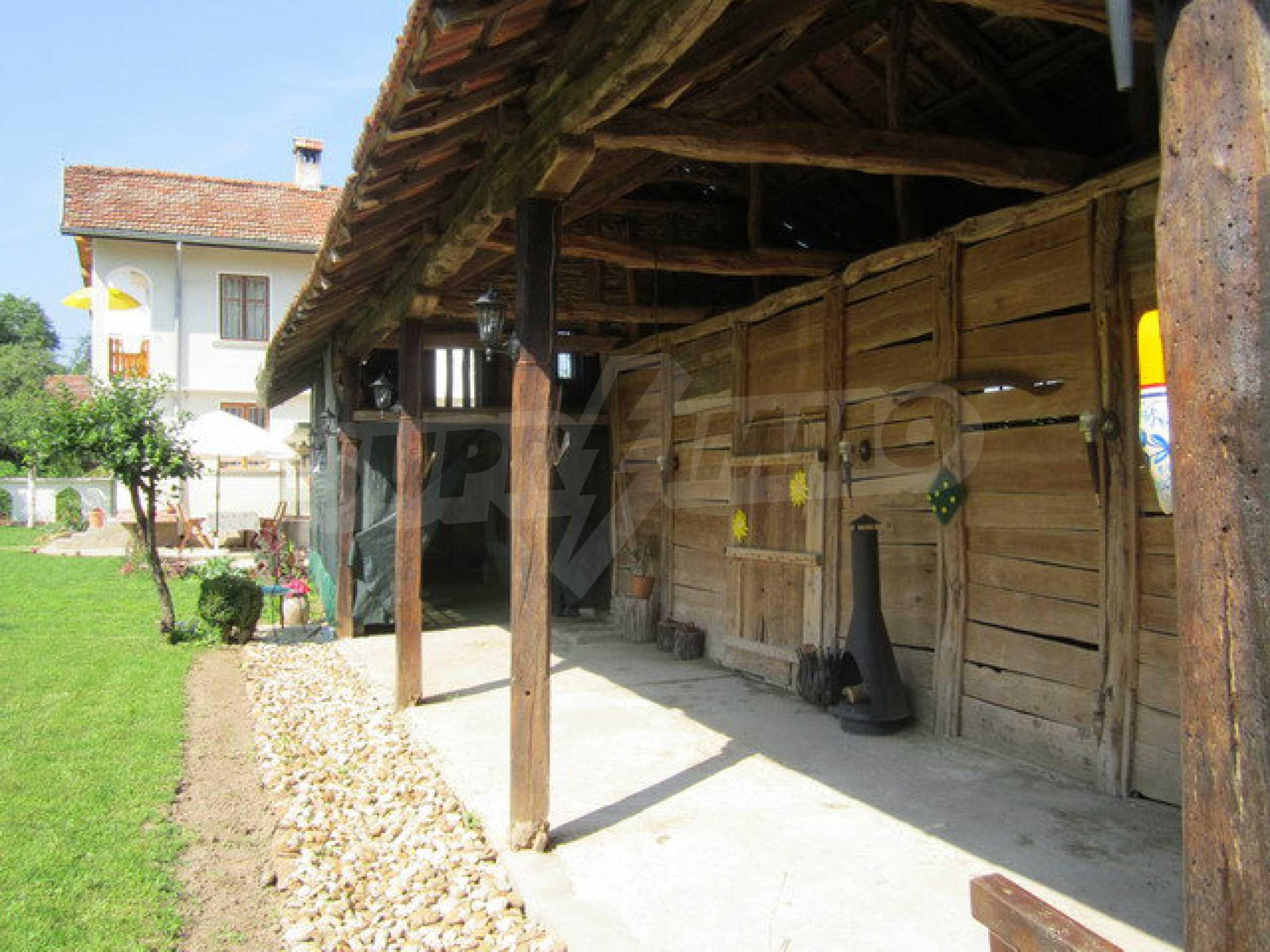 Geräumiges ländliches Anwesen mit einem Garten 20 km. von Veliko Tarnovo 30