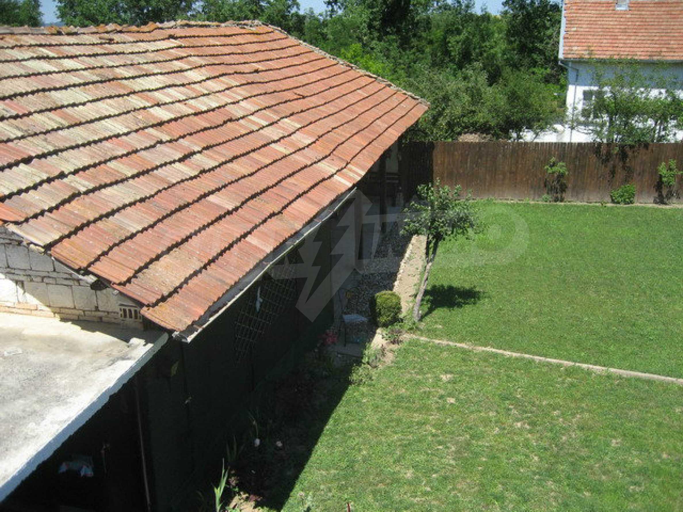 Geräumiges ländliches Anwesen mit einem Garten 20 km. von Veliko Tarnovo 4