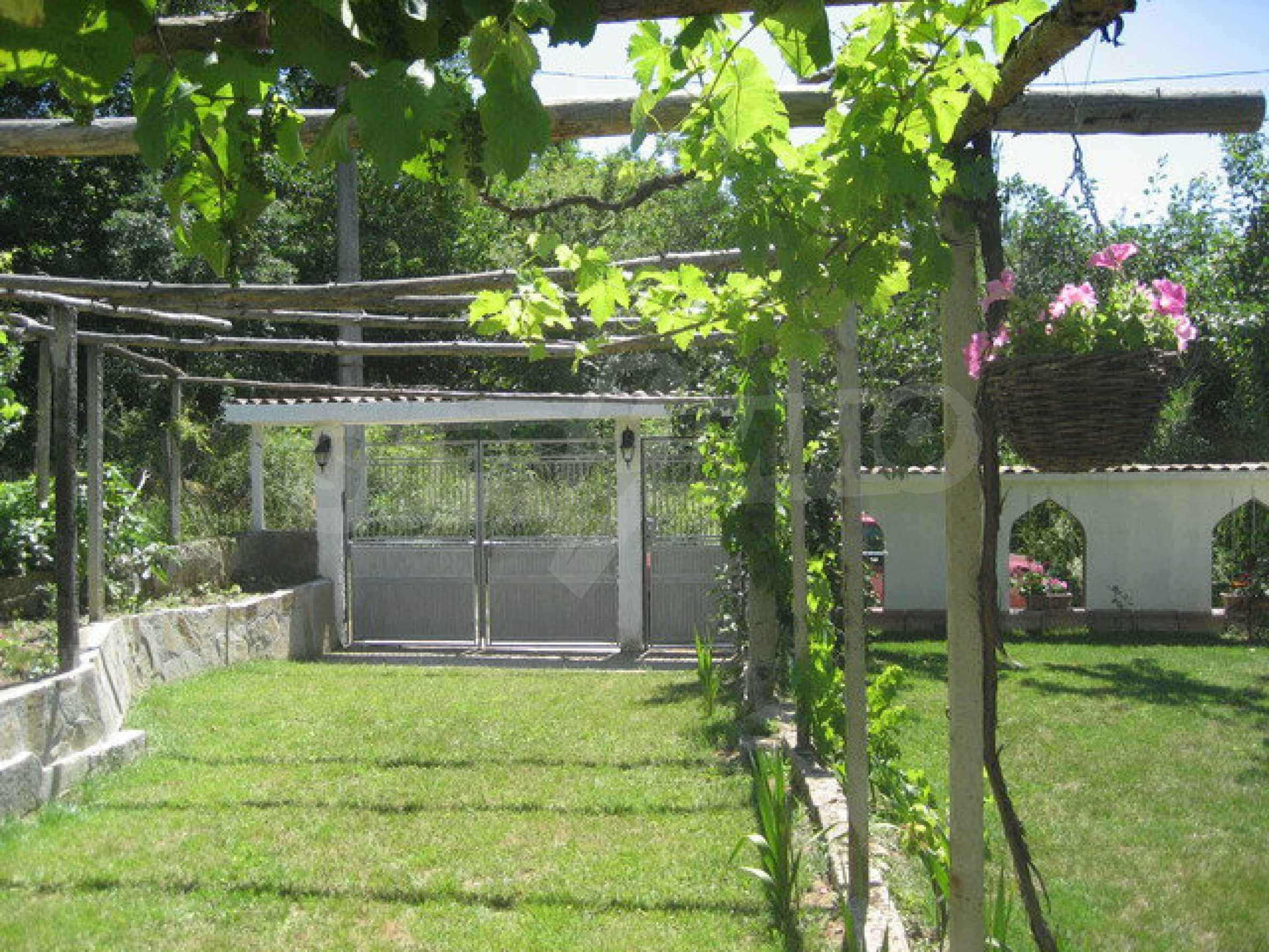 Geräumiges ländliches Anwesen mit einem Garten 20 km. von Veliko Tarnovo 57