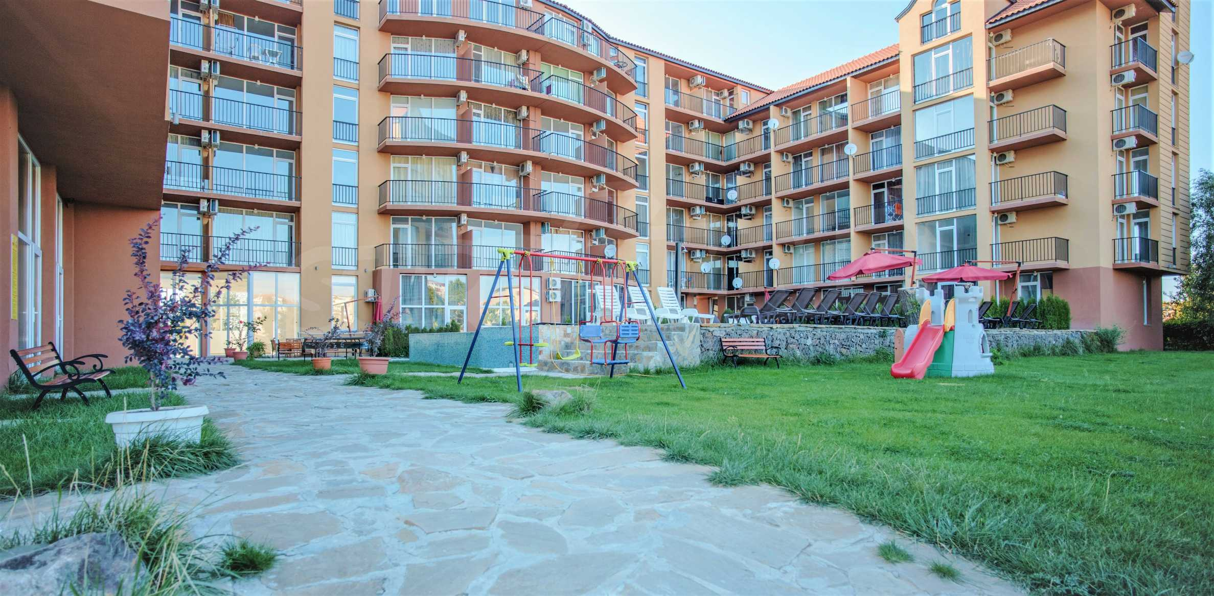 Holiday apartments in a seaside complex 700 m from Cacao Beach 10