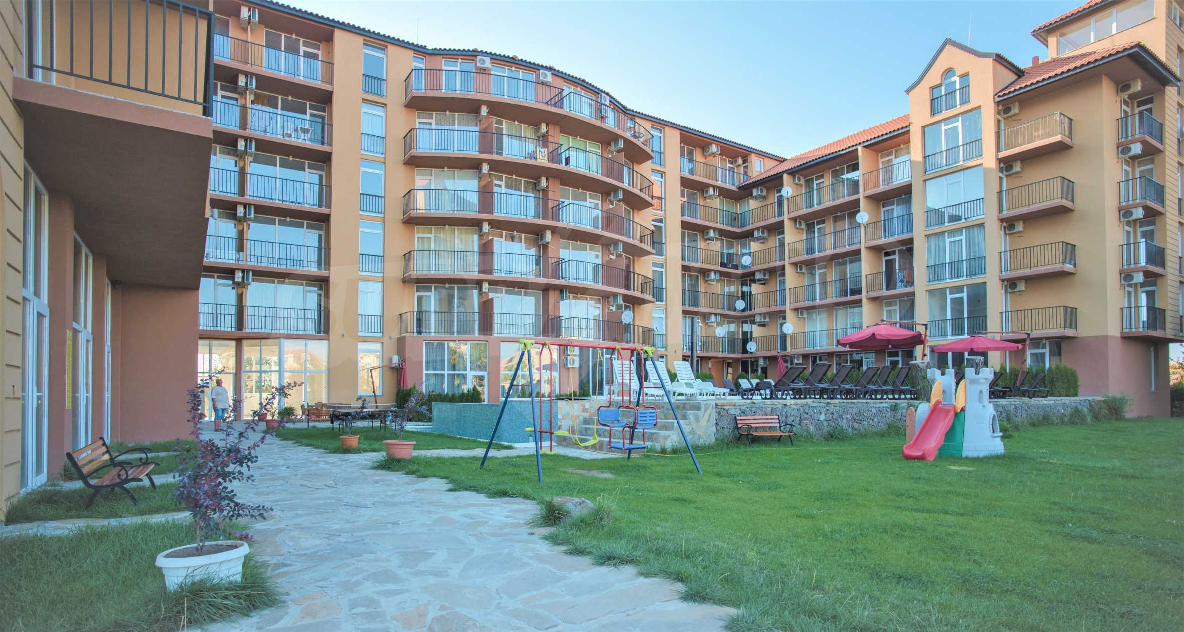 Holiday apartments in a seaside complex 700 m from Cacao Beach 11