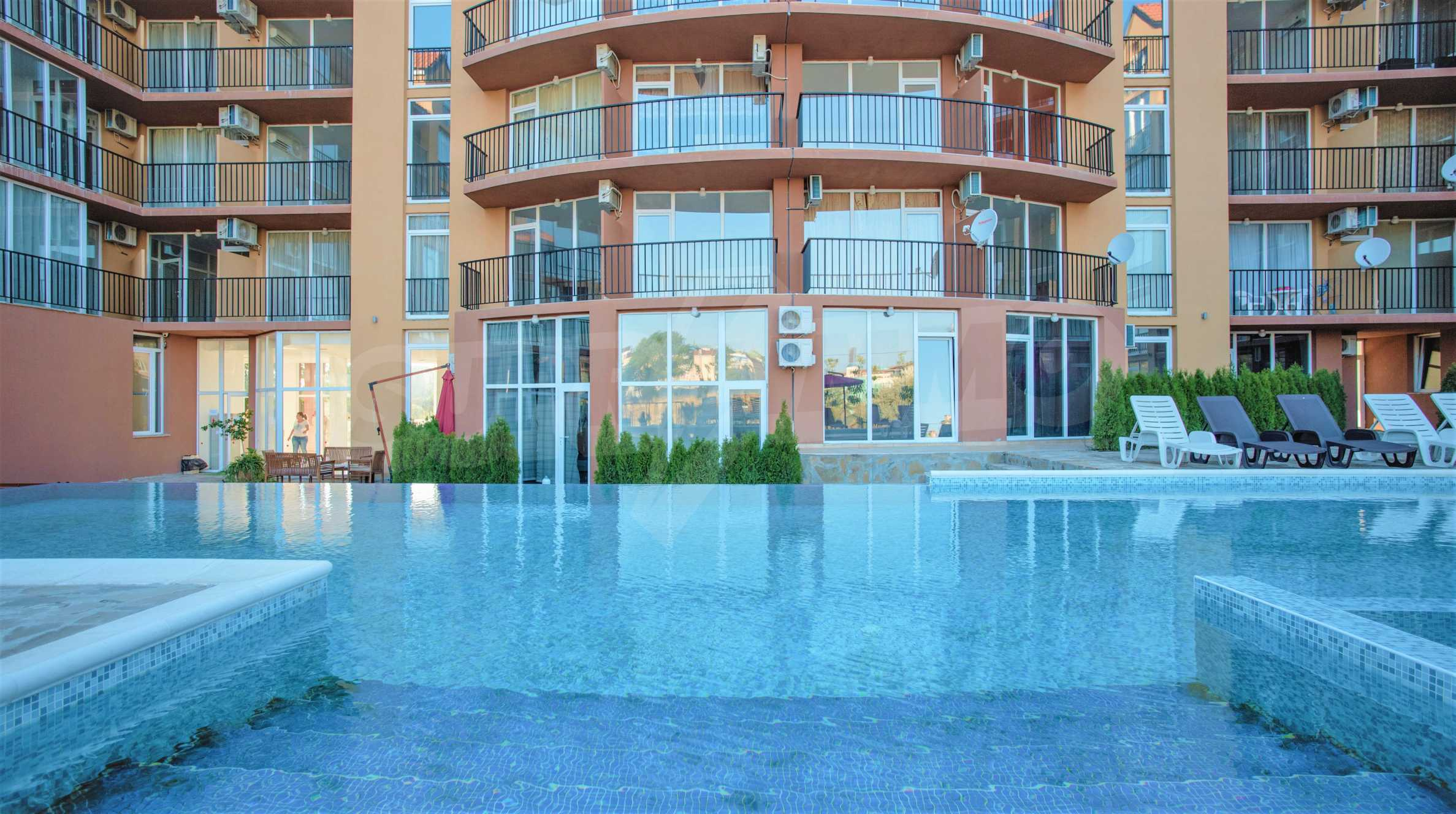 Holiday apartments in a seaside complex 700 m from Cacao Beach 6