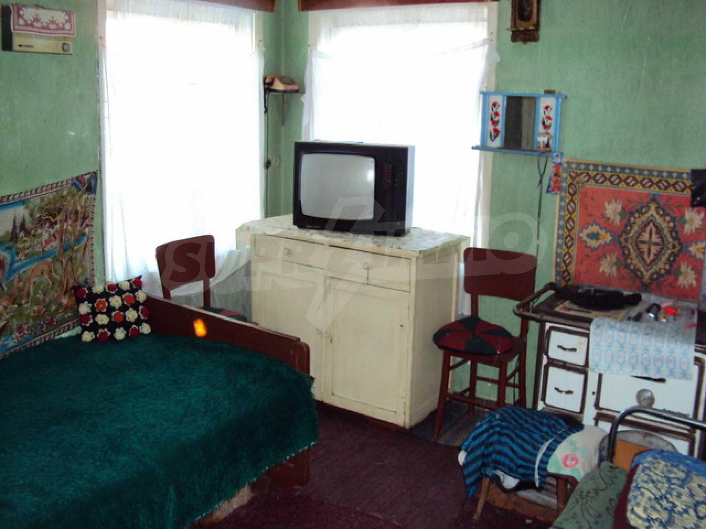 Одноэтажный сельский дом  16