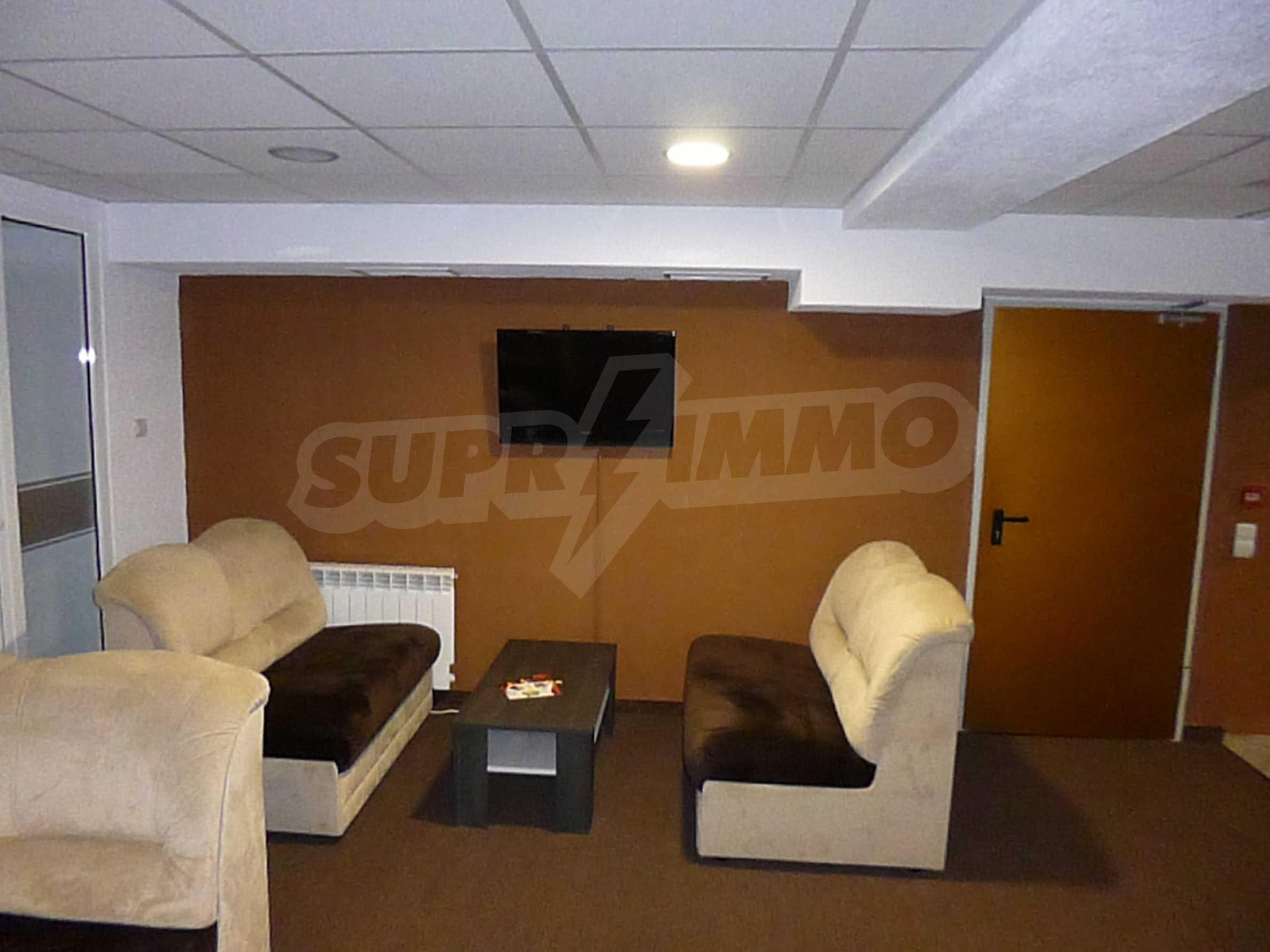 Apartment mit zwei Schlafzimmern im Panoramakomplex 25