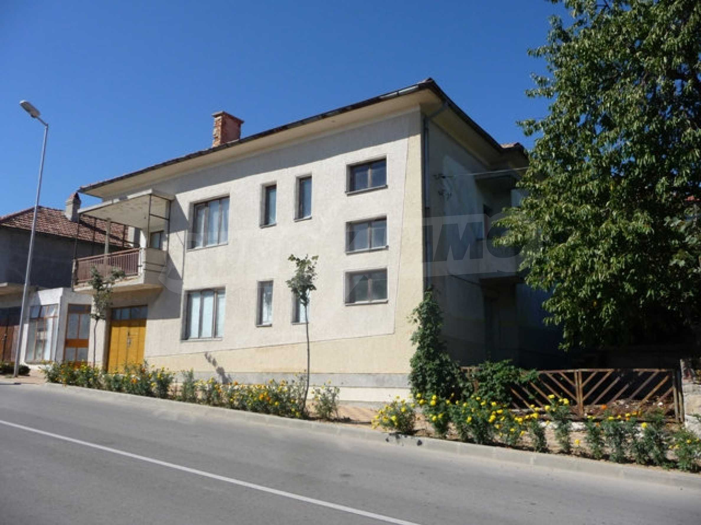 House with shop in Byala (Varna)