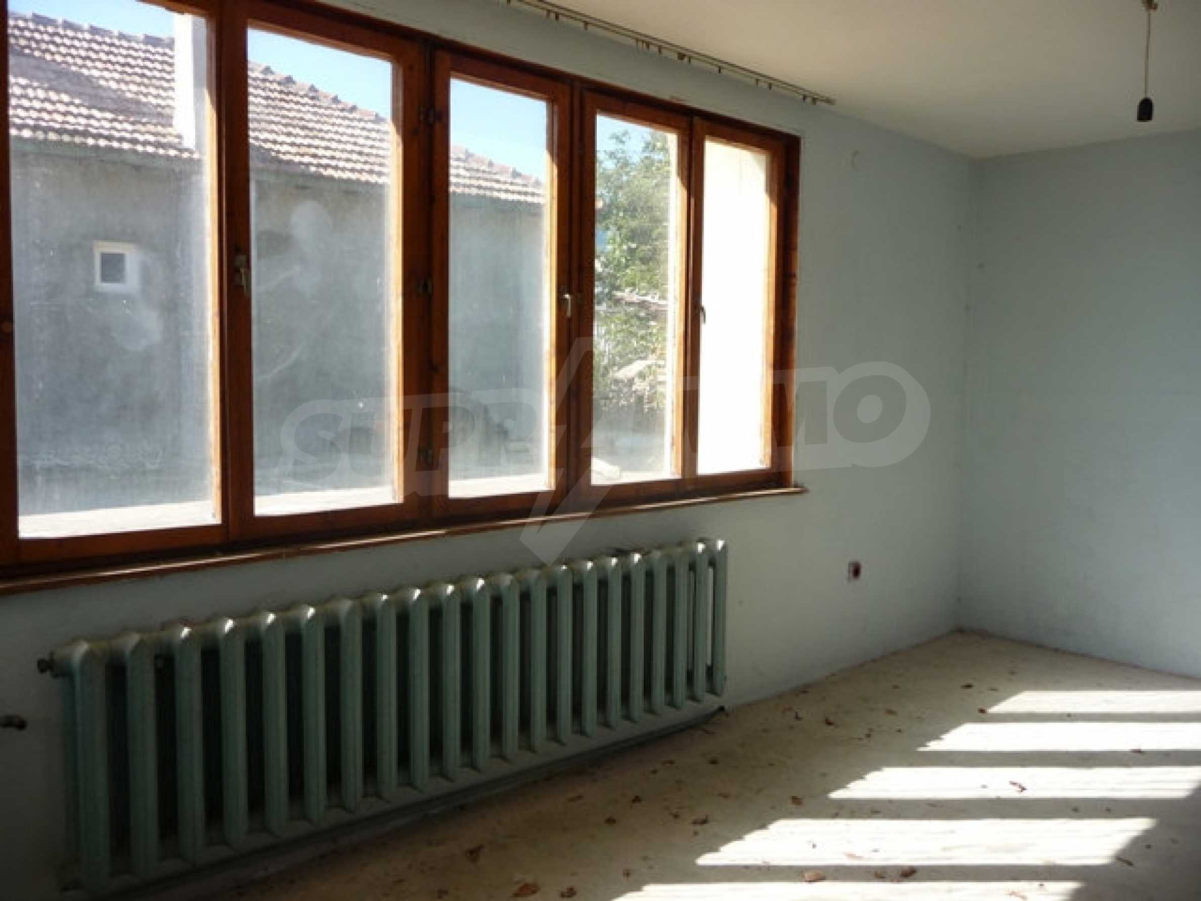 House with shop in Byala (Varna) 16