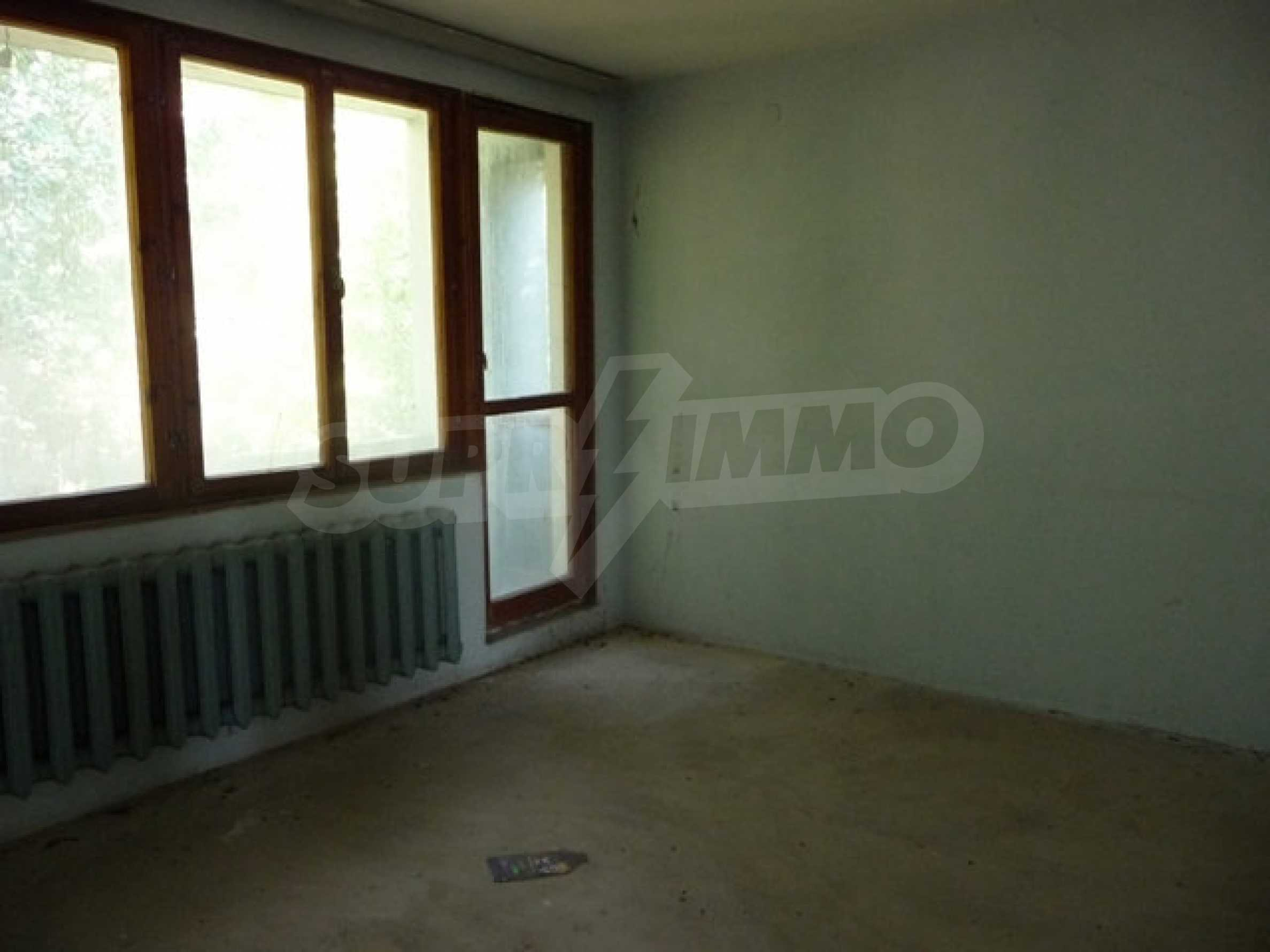 House with shop in Byala (Varna) 18