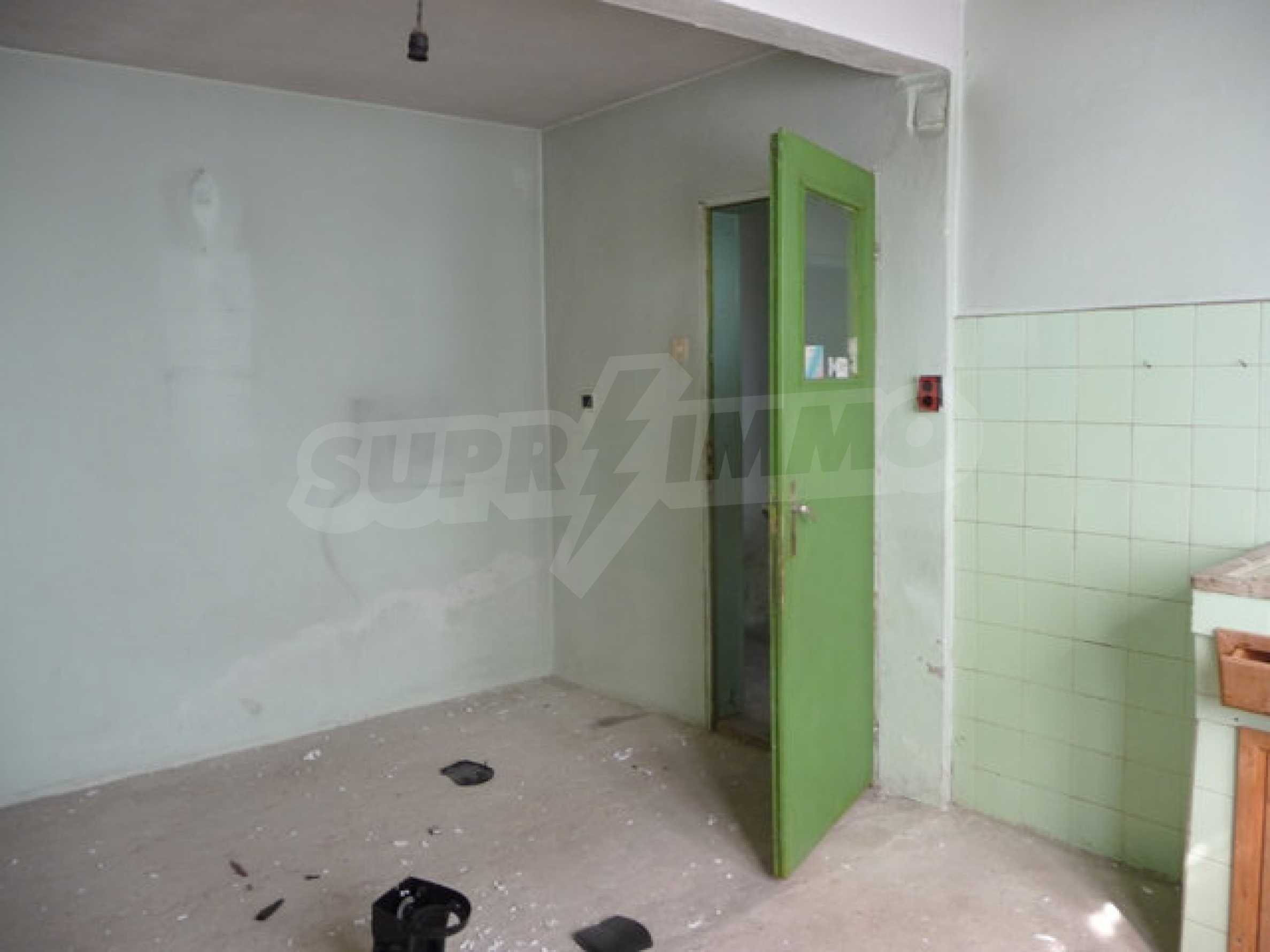 House with shop in Byala (Varna) 3