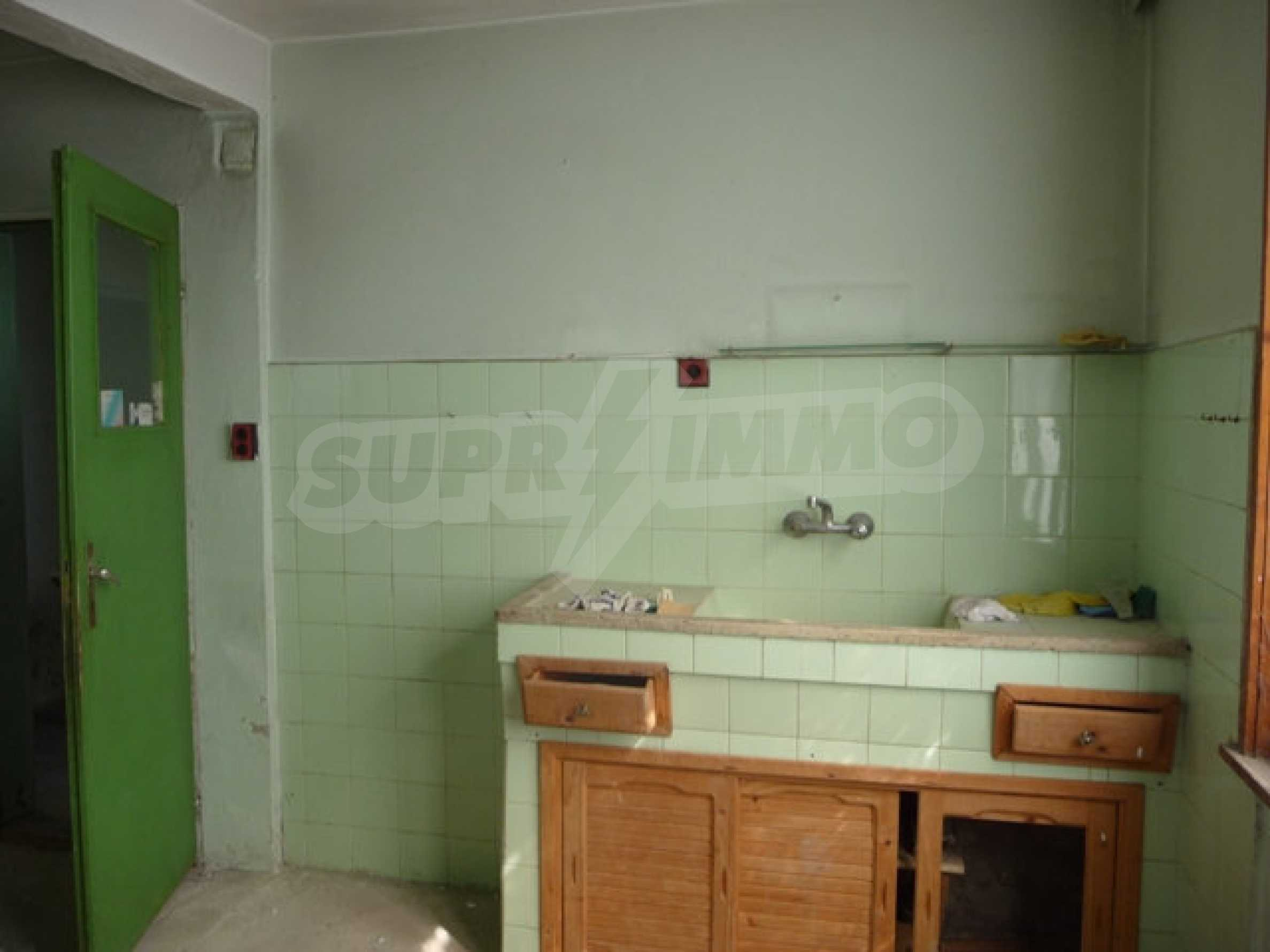 House with shop in Byala (Varna) 4