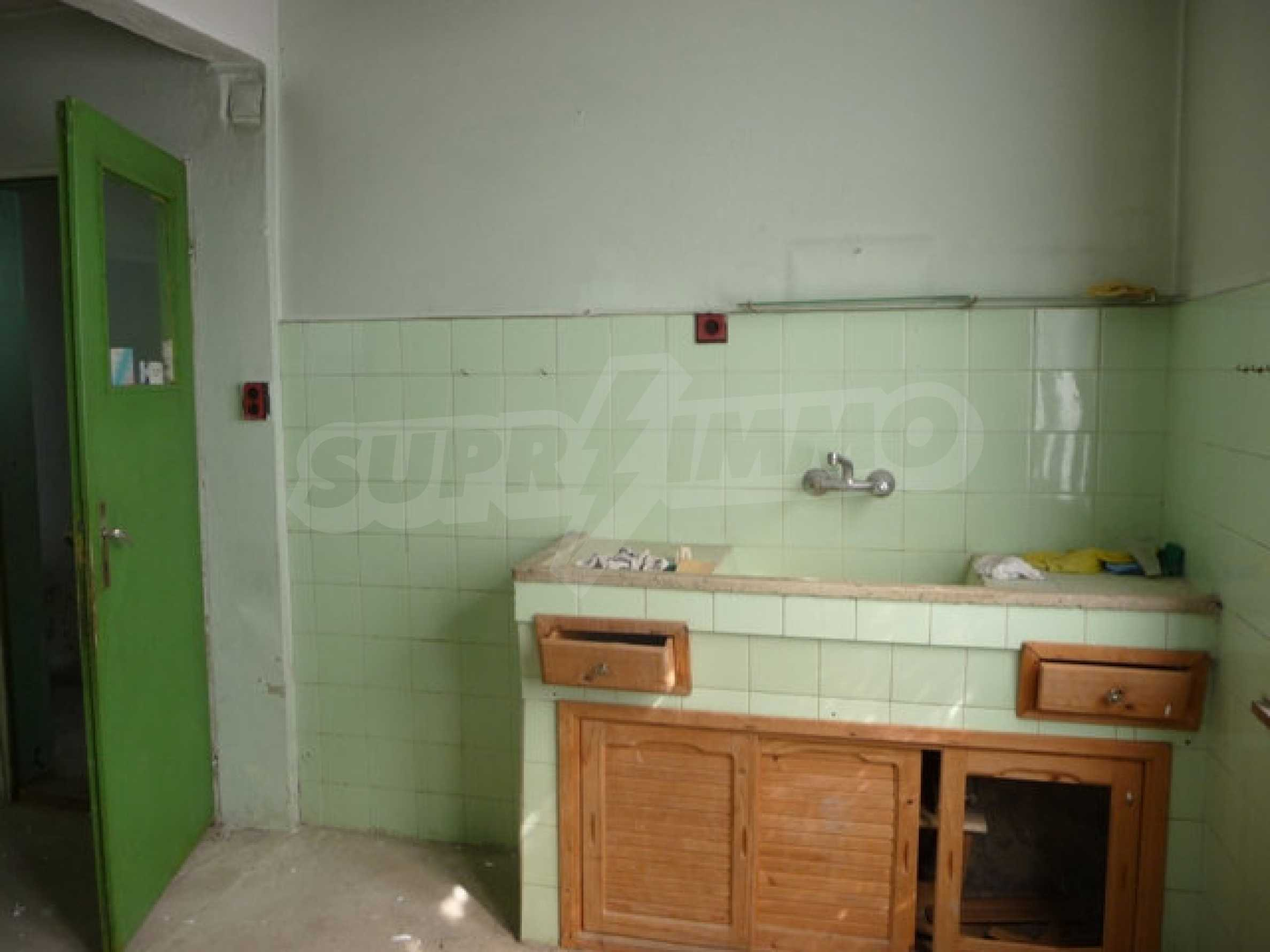 House with shop in Byala (Varna) 5