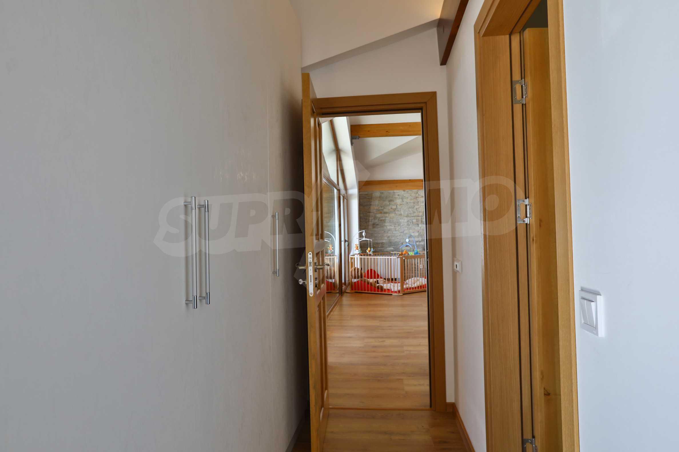 Луксозен комплекс в подножието на Пирин, до Pirin Golf and Country Club 27