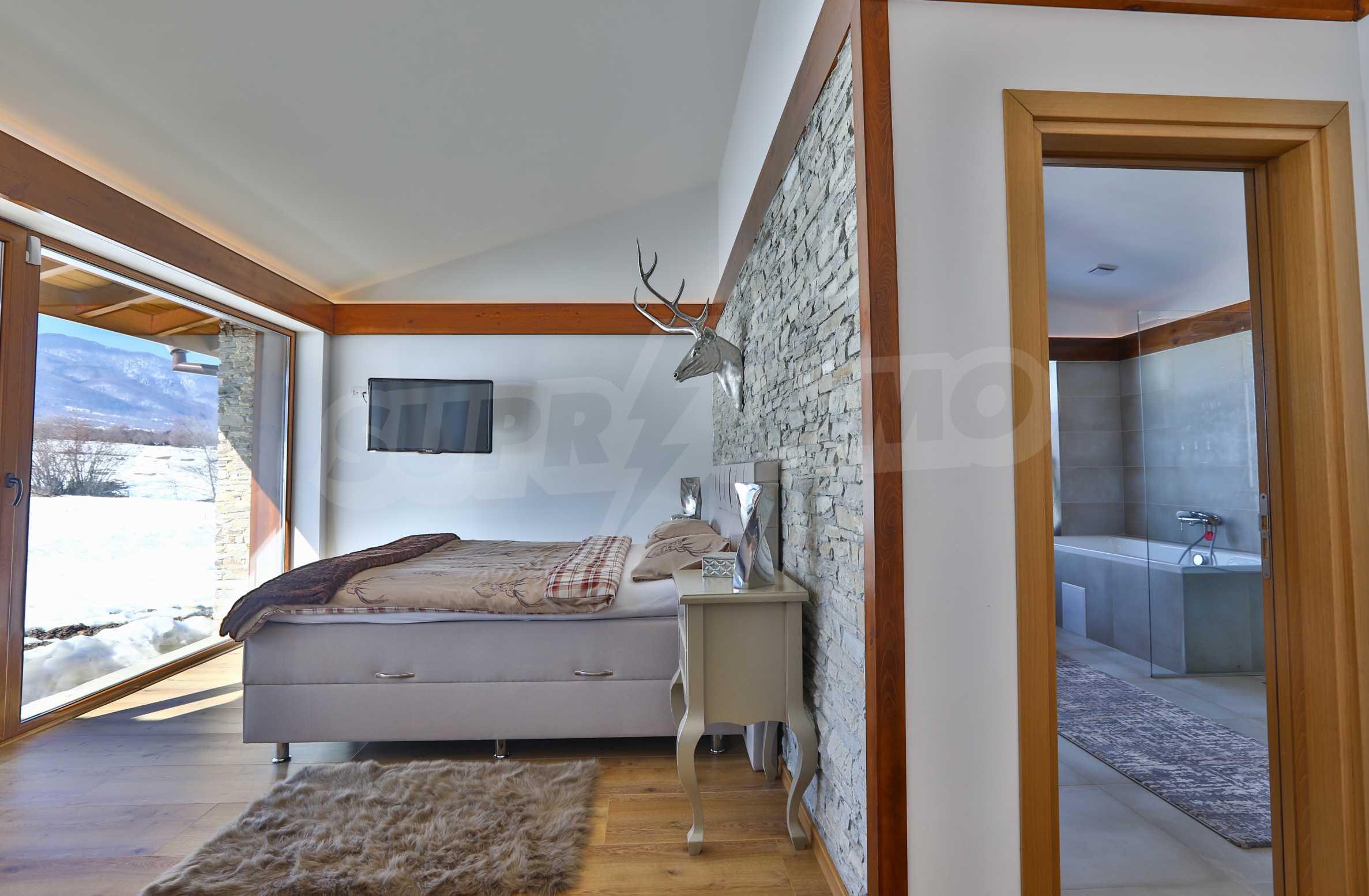 Луксозен комплекс в подножието на Пирин, до Pirin Golf and Country Club 6