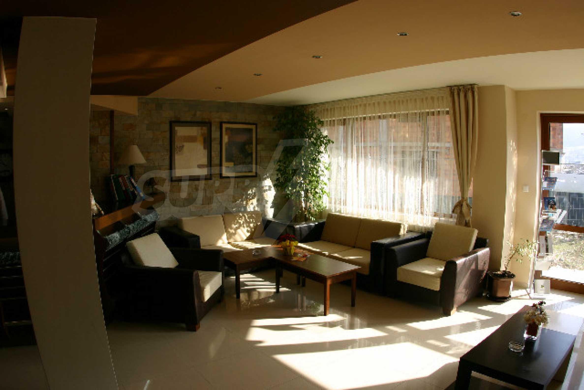 Двухкомнатная квартира на продажу на курорте Банско 12