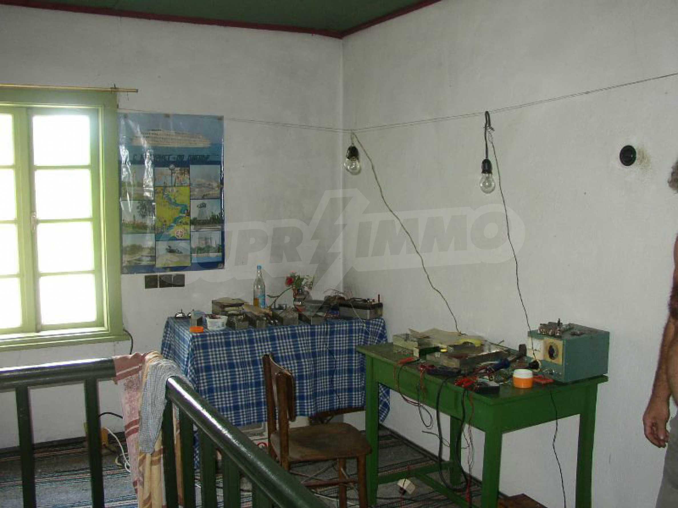Solides zweistöckiges Haus in ausgezeichnetem Zustand auf dem Dryanovo-Balkan 9