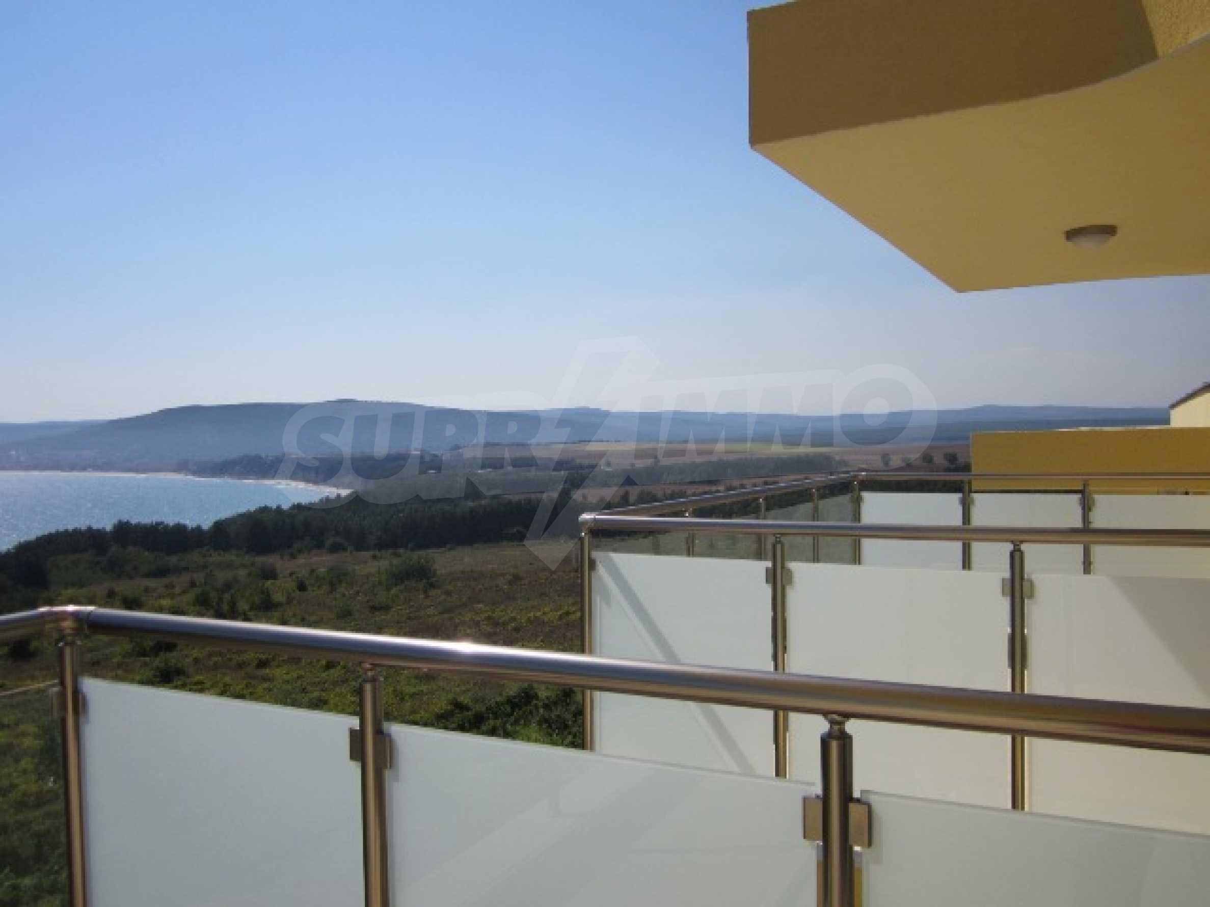 Апартаменти с морска панорама 11