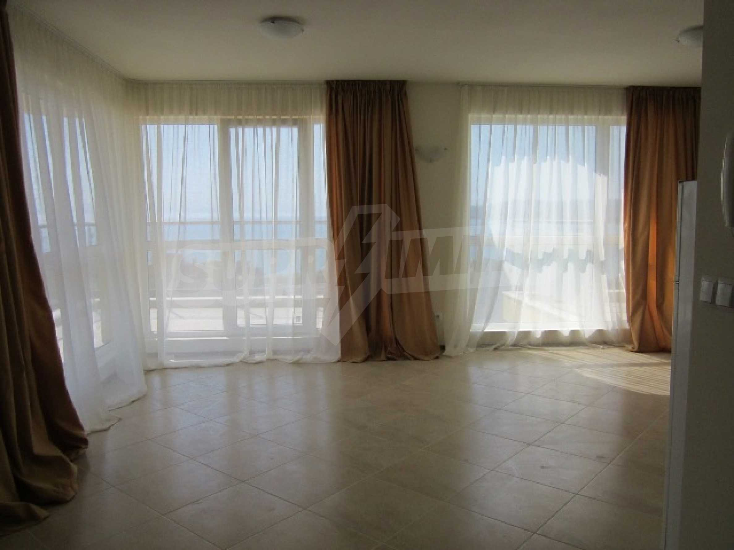 Апартаменти с морска панорама 12