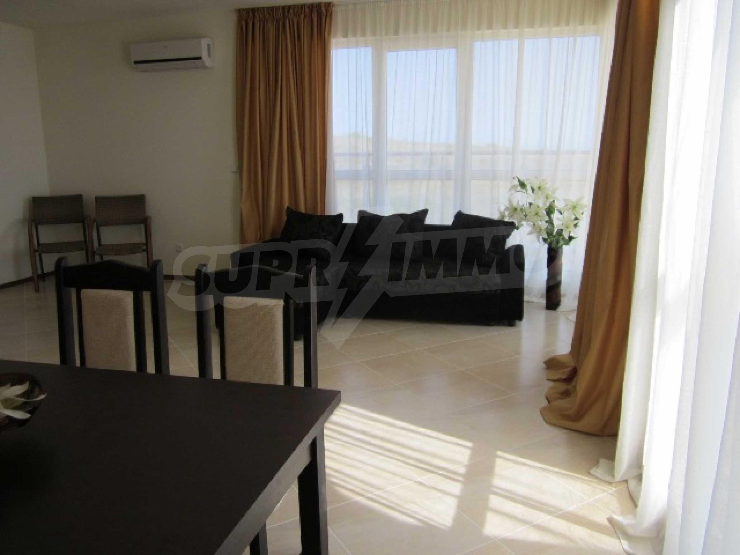 Апартаменти с морска панорама 15