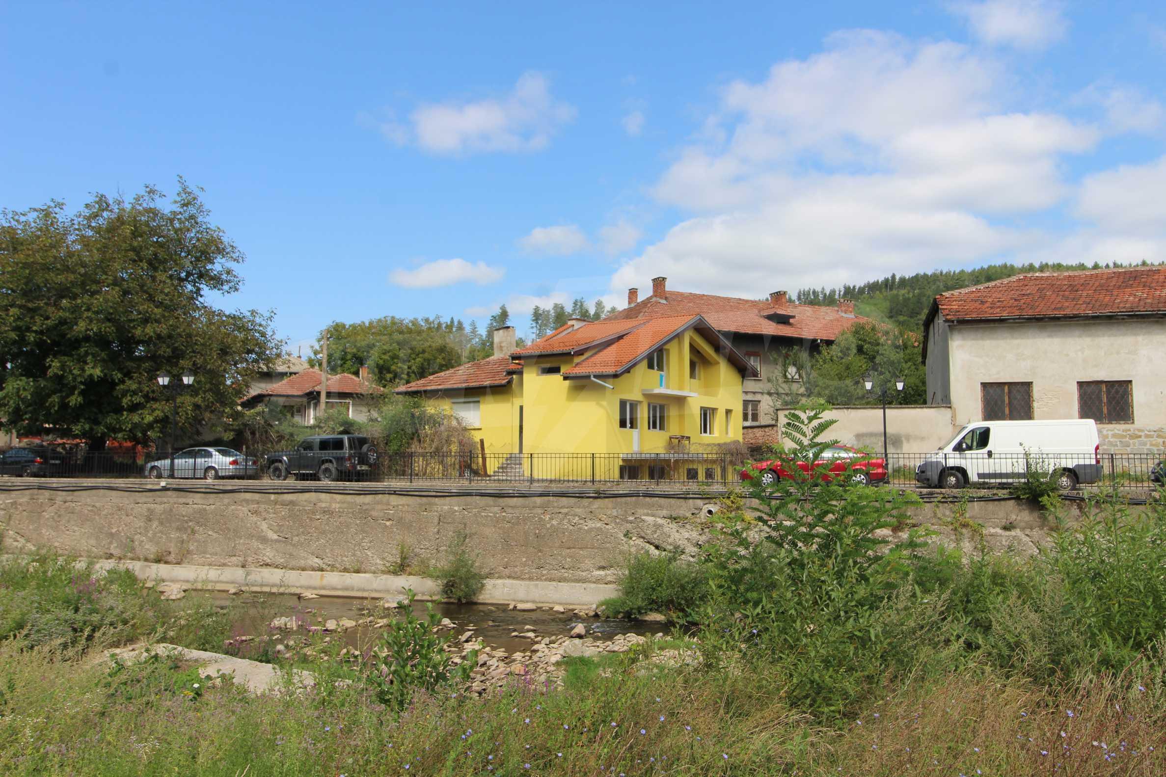 Neu gebautes dreistöckiges Stadthaus 9