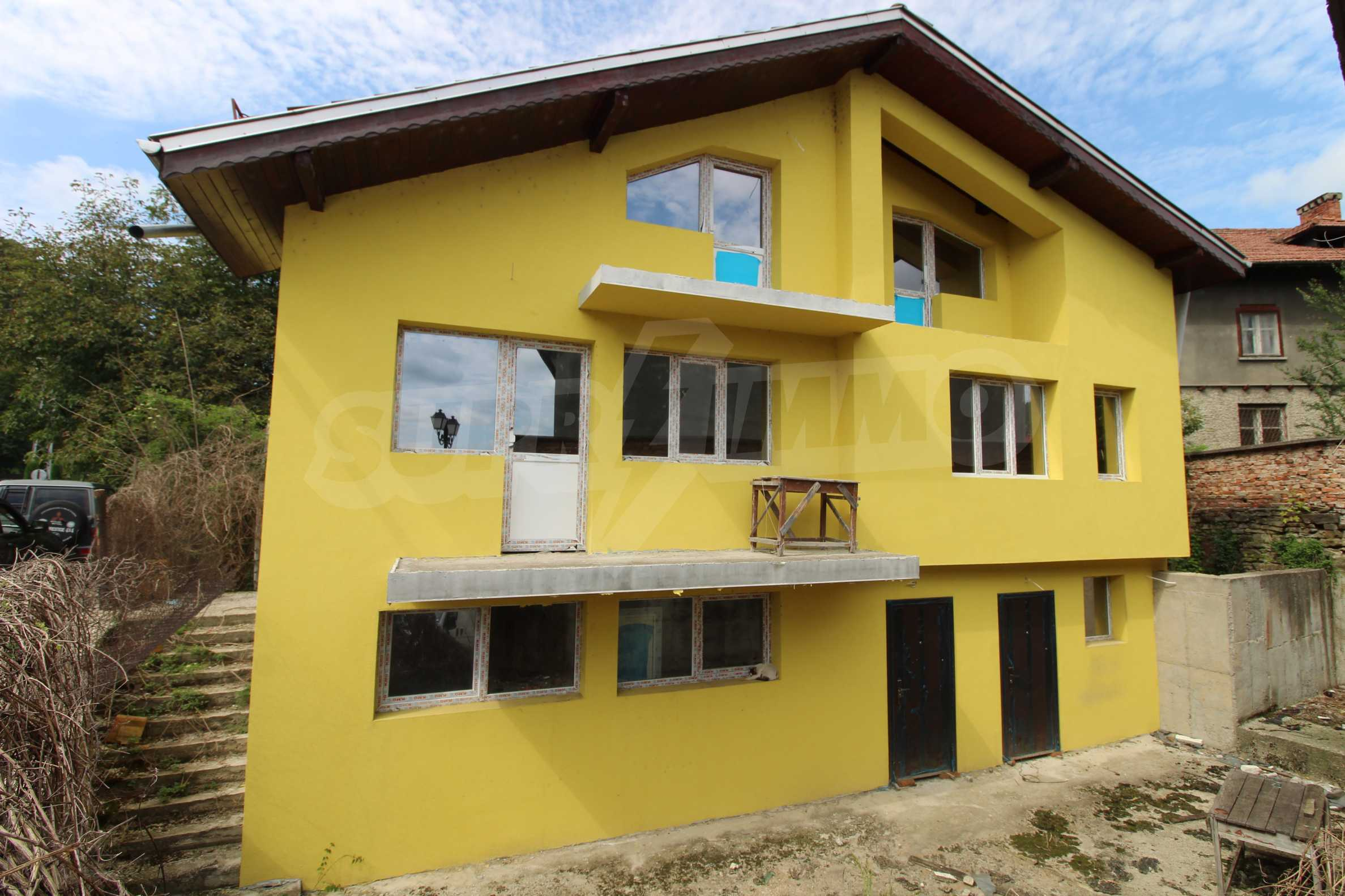 Neu gebautes dreistöckiges Stadthaus 3