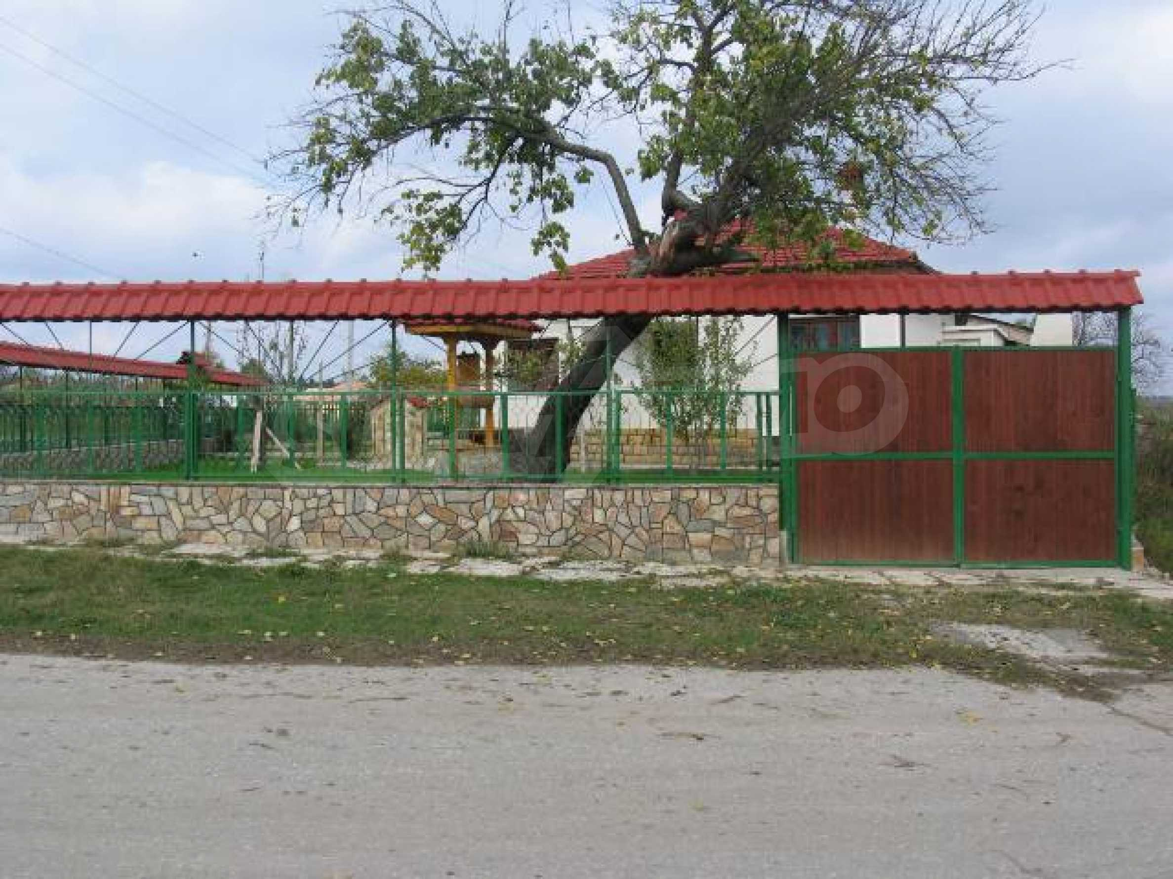 House for sale in Kozlodujtsi village 60 km from the sea 3