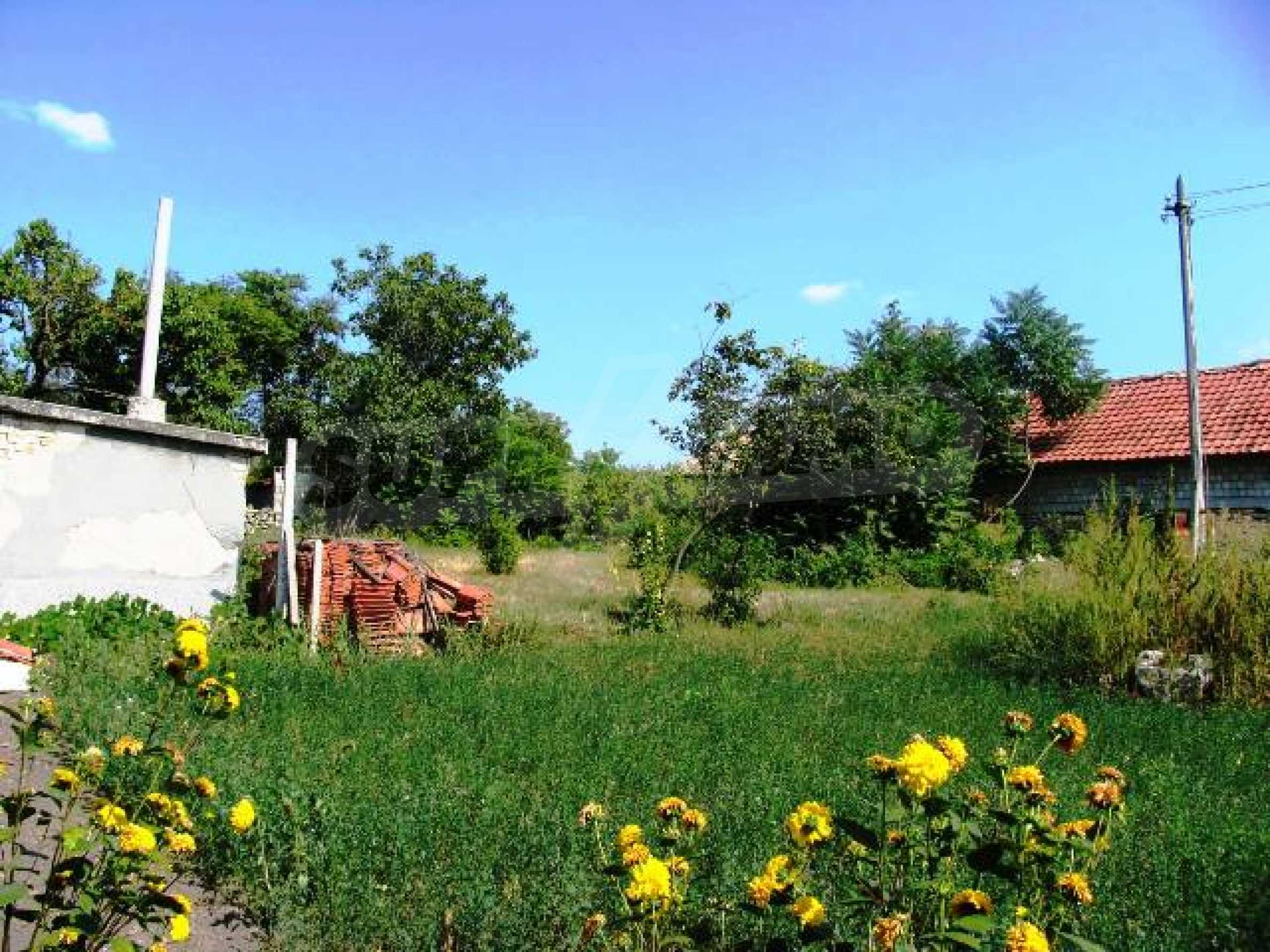 A nice and cosy house near Varna!  11