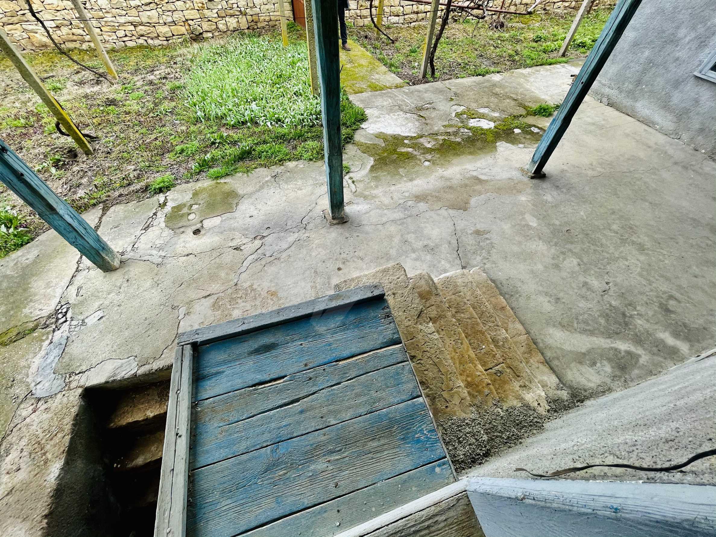Einstöckiges Haus mit großem Garten in einem Dorf 26 km von Veliko Tarnovo entfernt 24