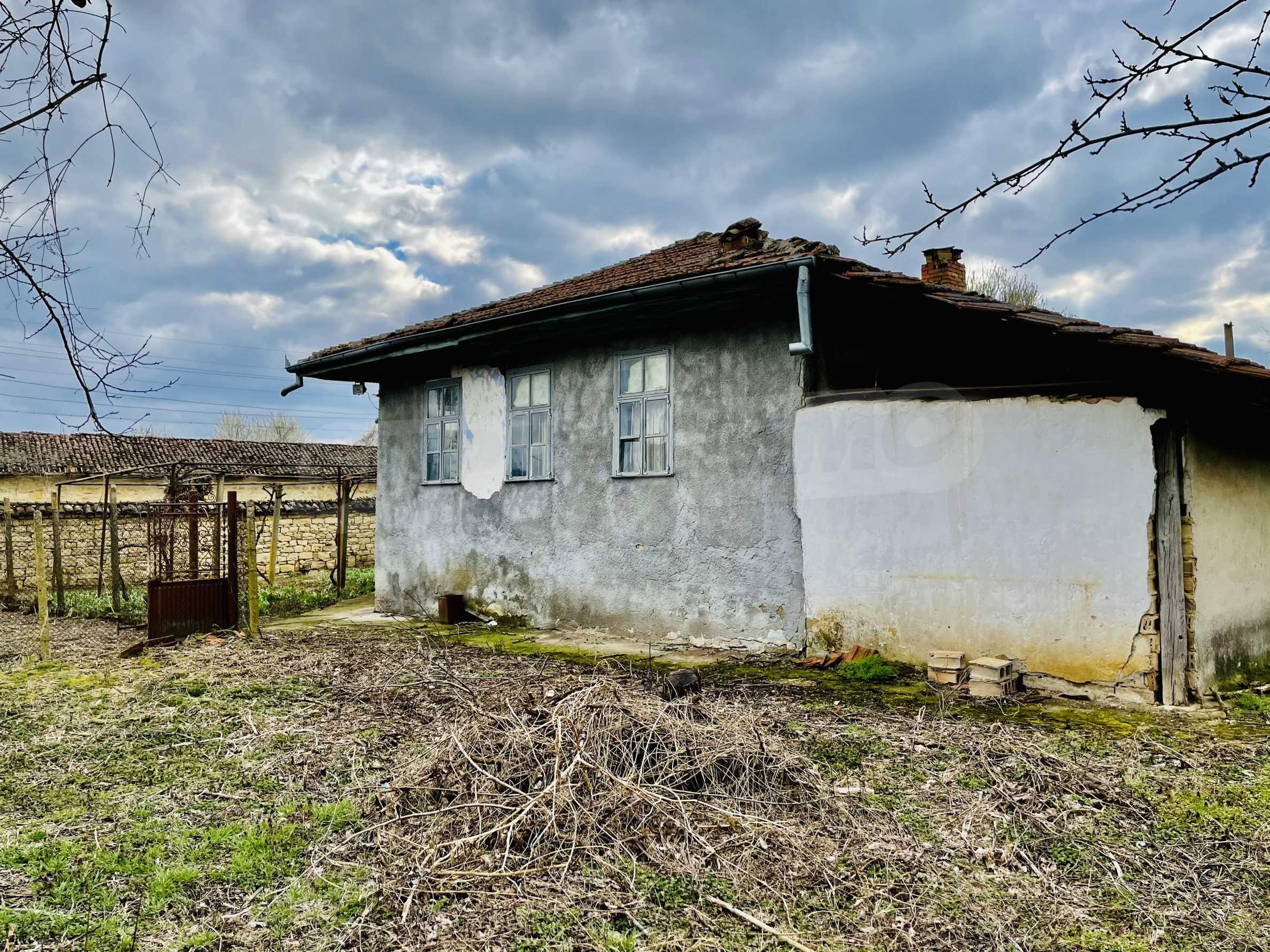 Einstöckiges Haus mit großem Garten in einem Dorf 26 km von Veliko Tarnovo entfernt 29