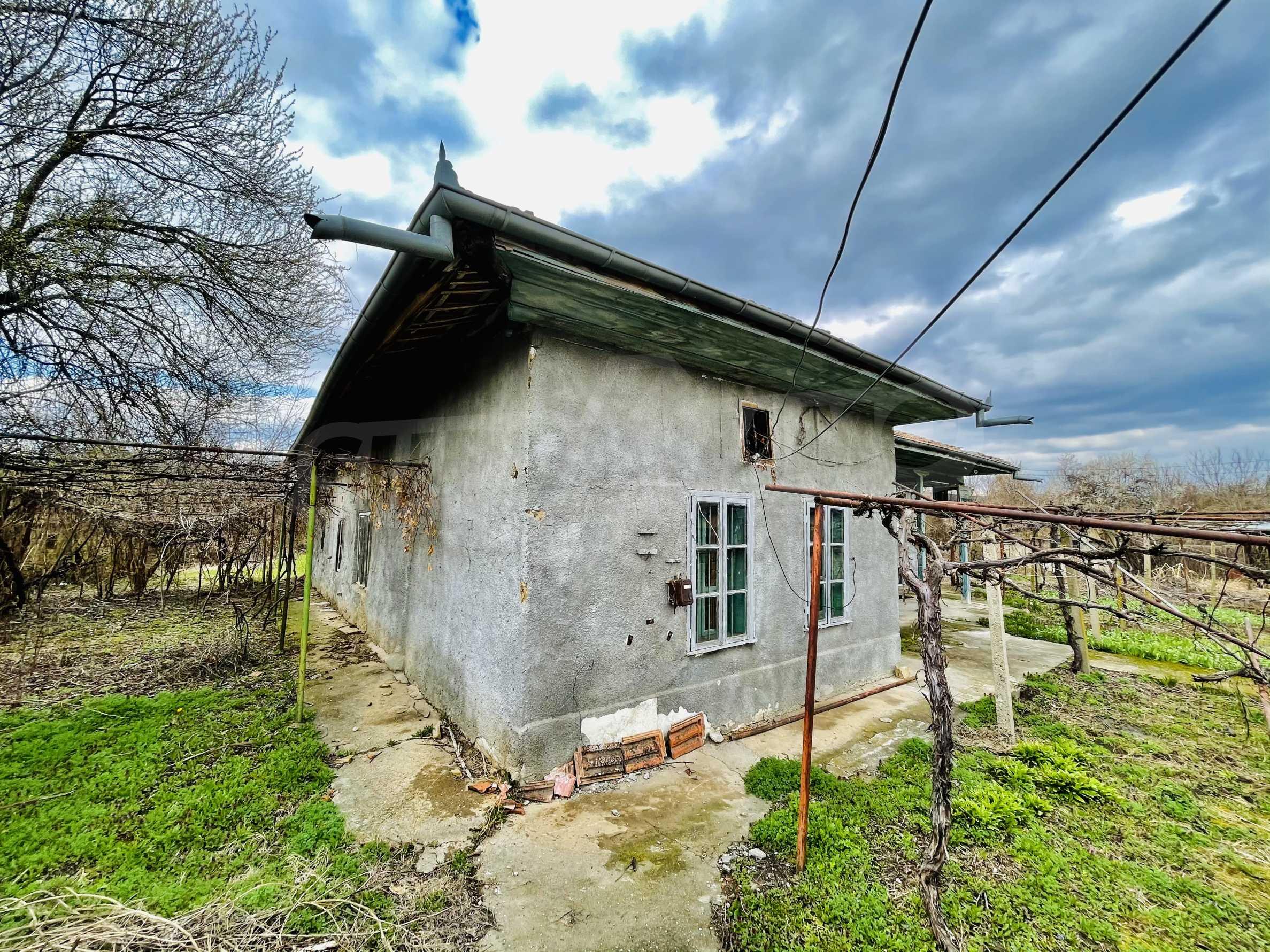 Einstöckiges Haus mit großem Garten in einem Dorf 26 km von Veliko Tarnovo entfernt 34