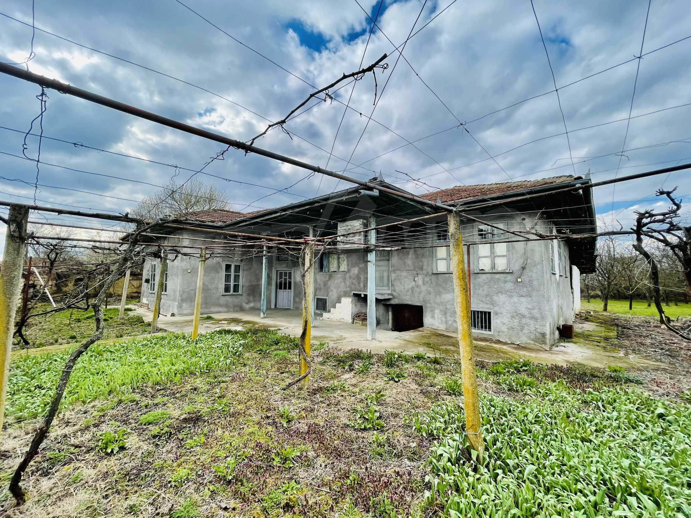 Einstöckiges Haus mit großem Garten in einem Dorf 26 km von Veliko Tarnovo entfernt 36