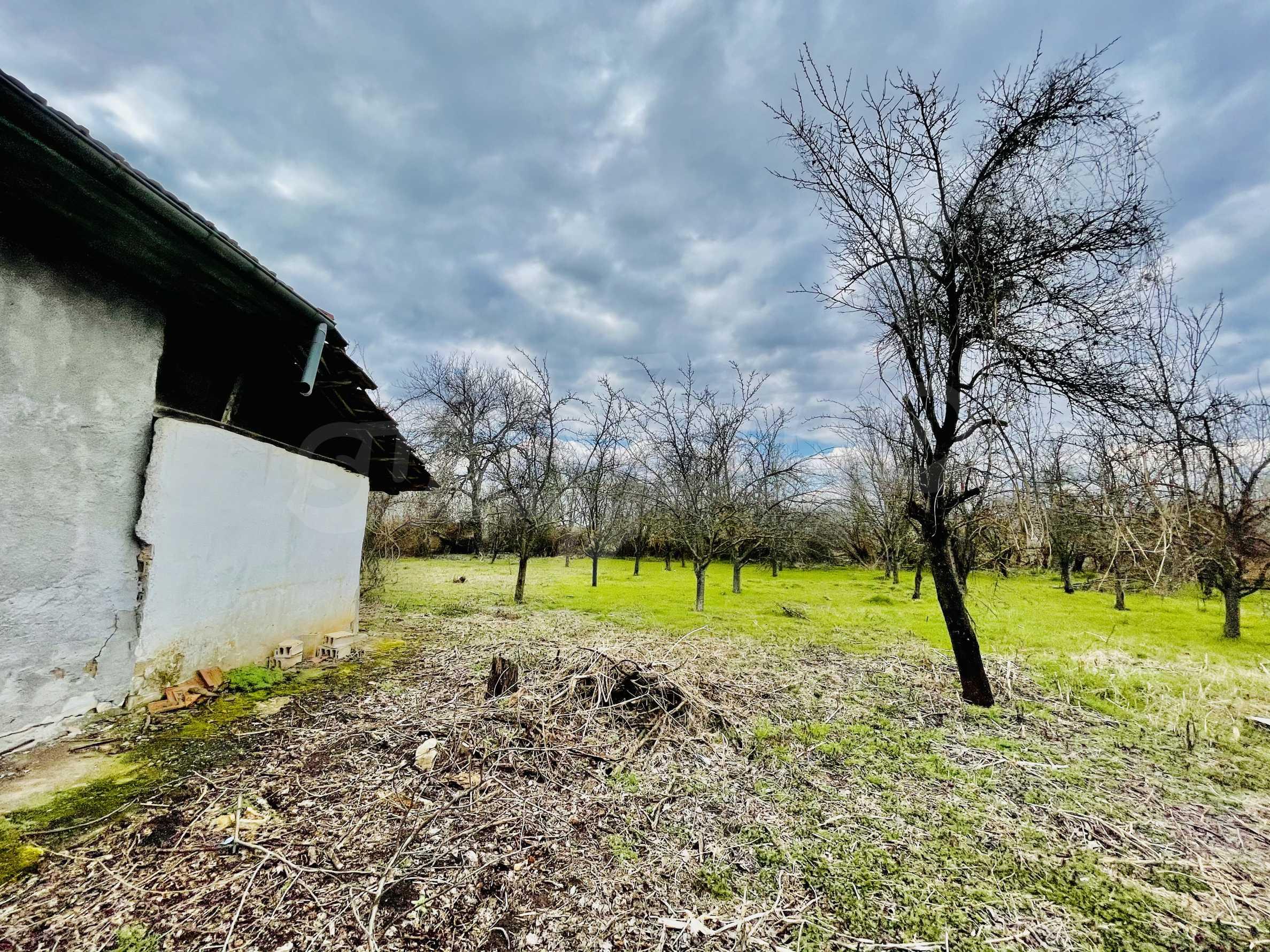 Einstöckiges Haus mit großem Garten in einem Dorf 26 km von Veliko Tarnovo entfernt 5