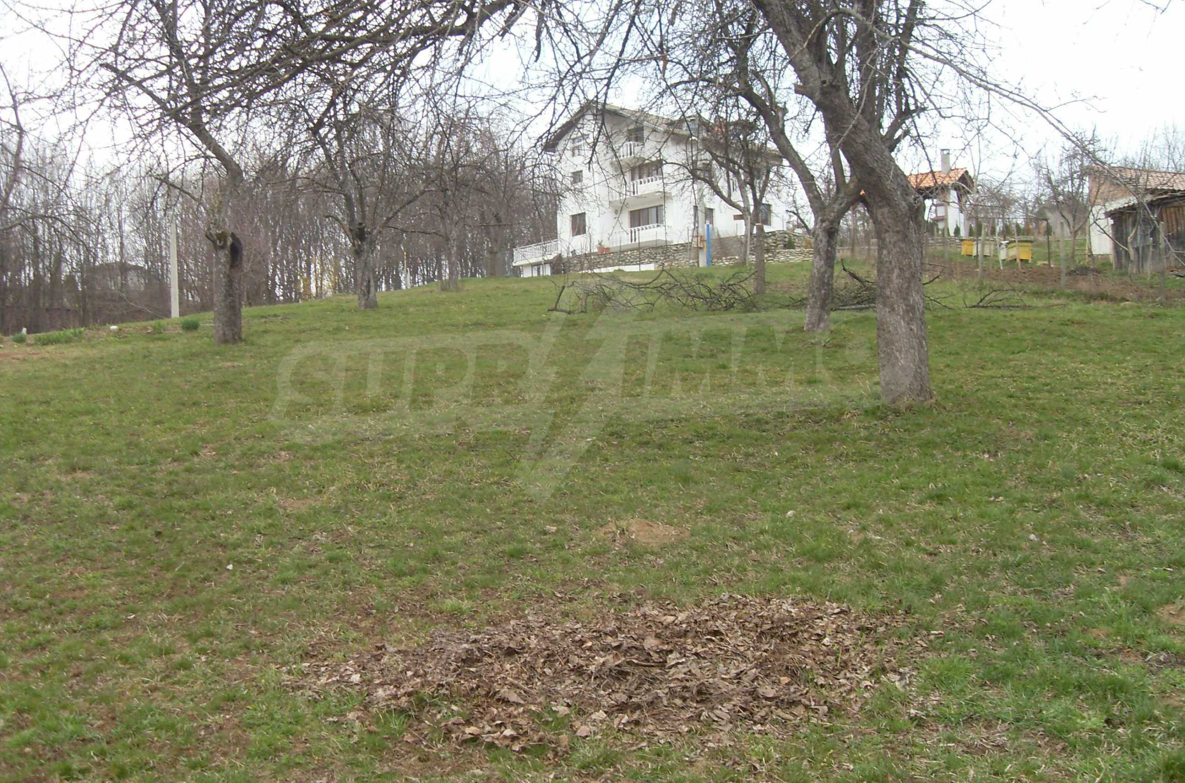 Plot with beautiful views in the heart of the mountain near Apriltzi 1