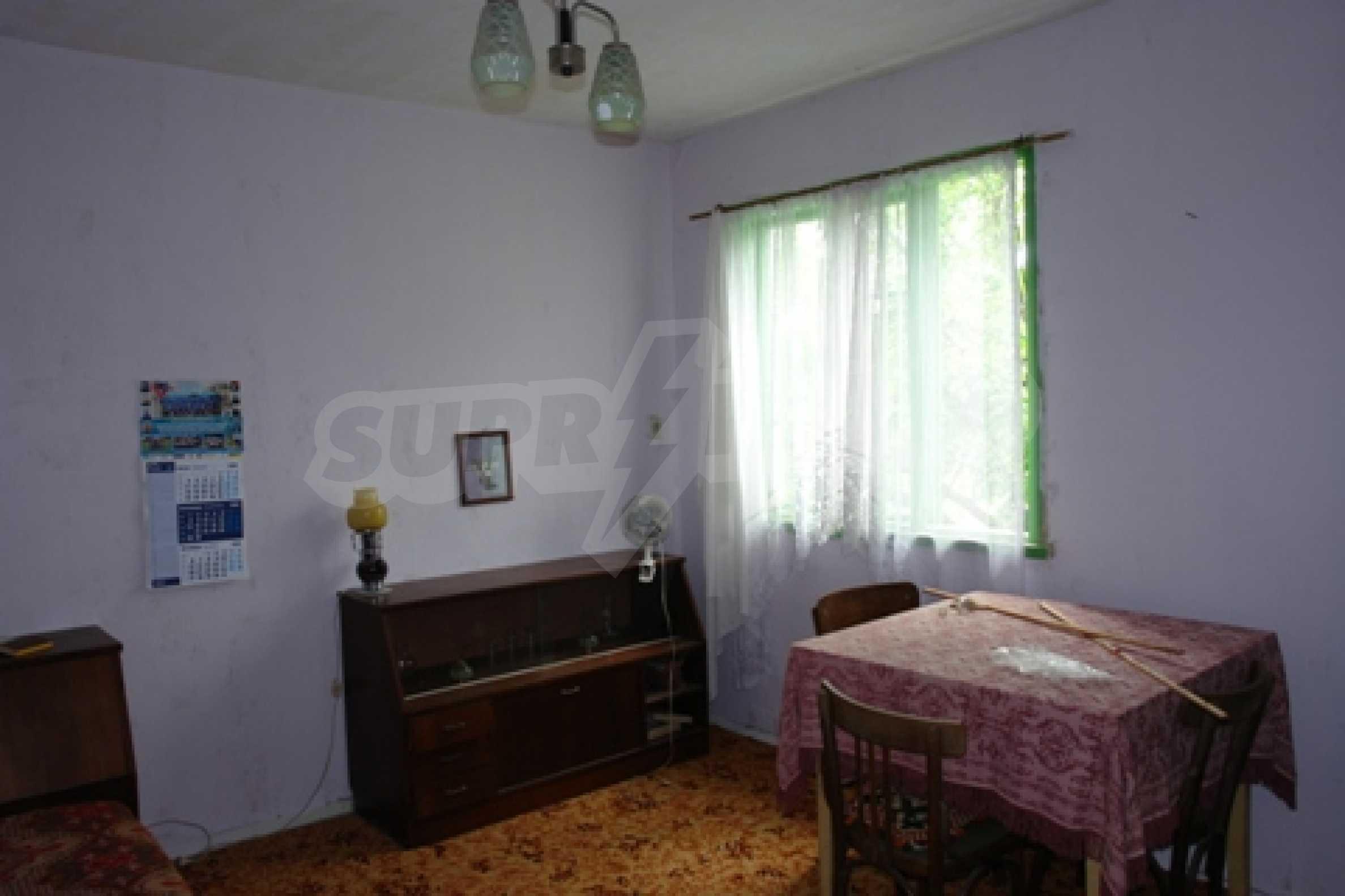 Просторна двуетажна къща с 4 спални в село Тръстеник, Русенско 10