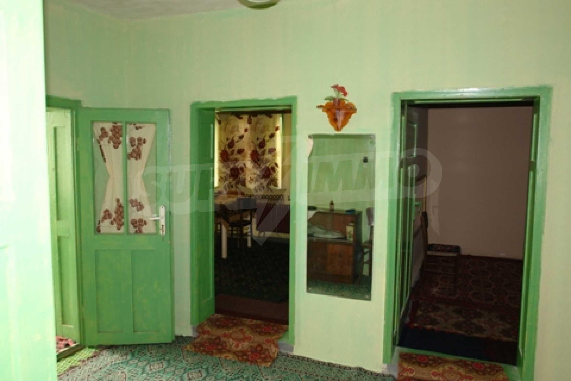 Просторна двуетажна къща с 4 спални в село Тръстеник, Русенско 11