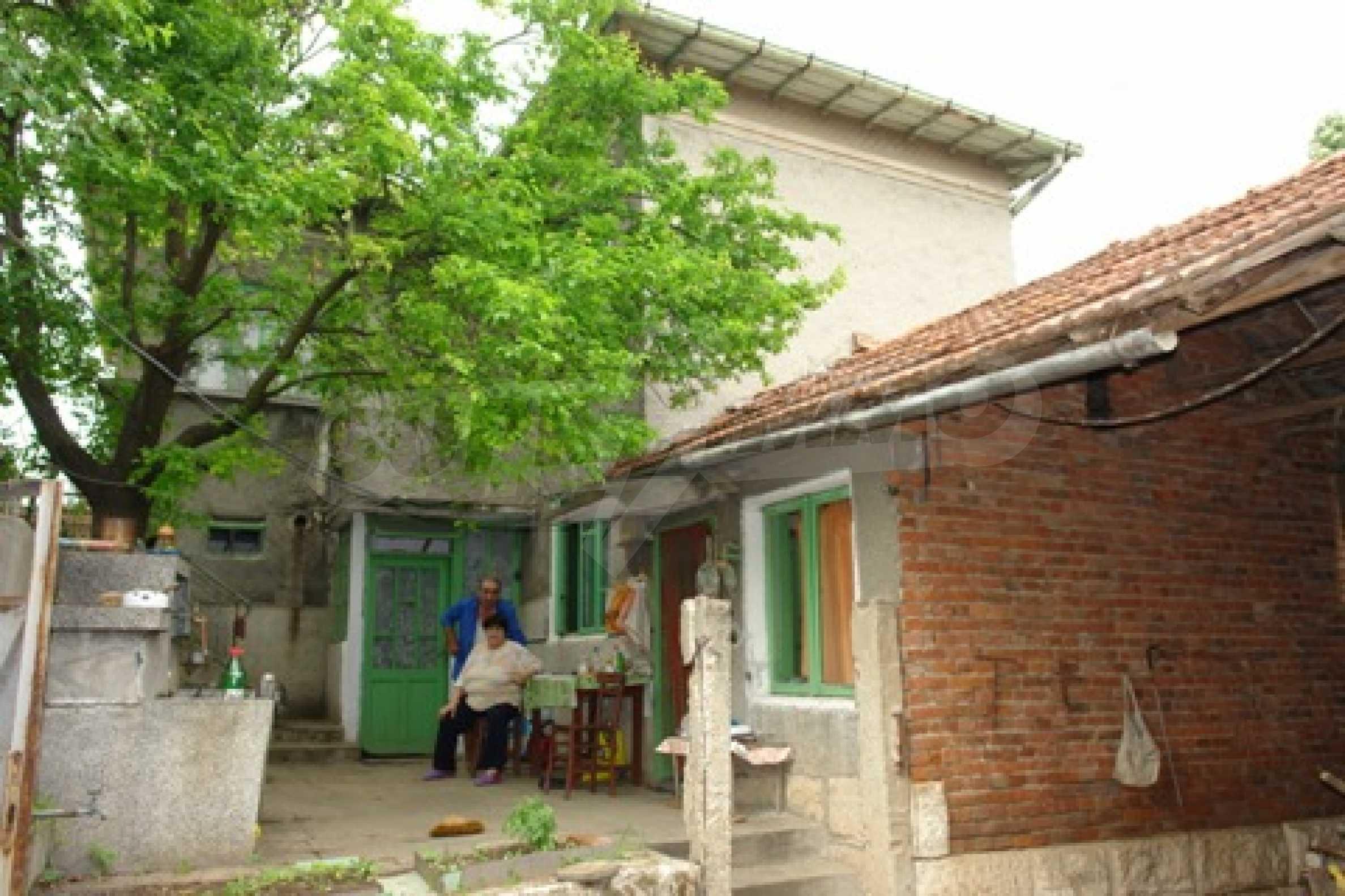 Просторна двуетажна къща с 4 спални в село Тръстеник, Русенско 14