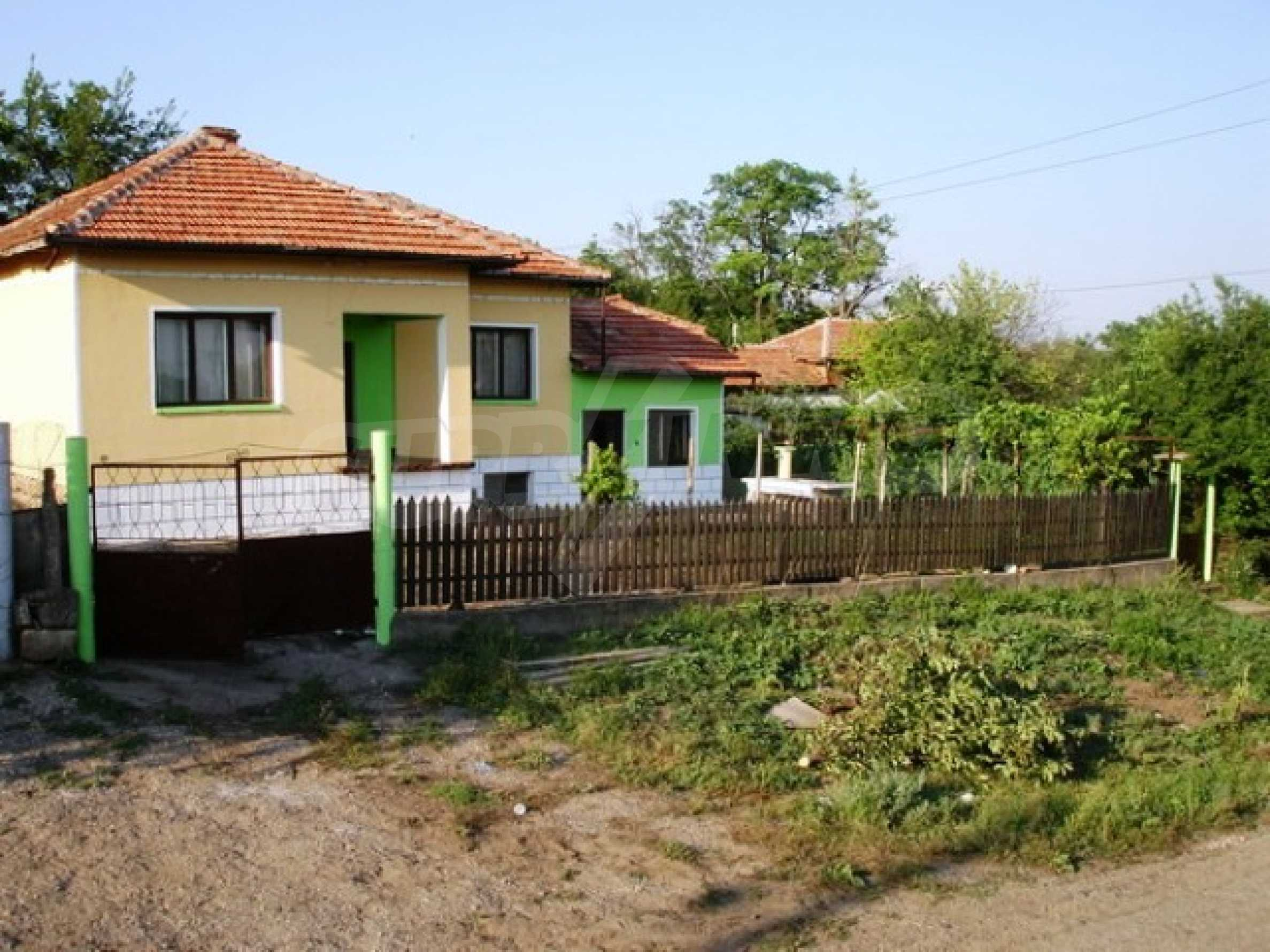 One-storey 3-bedroom house in Piperkovo village, Ruse district 1