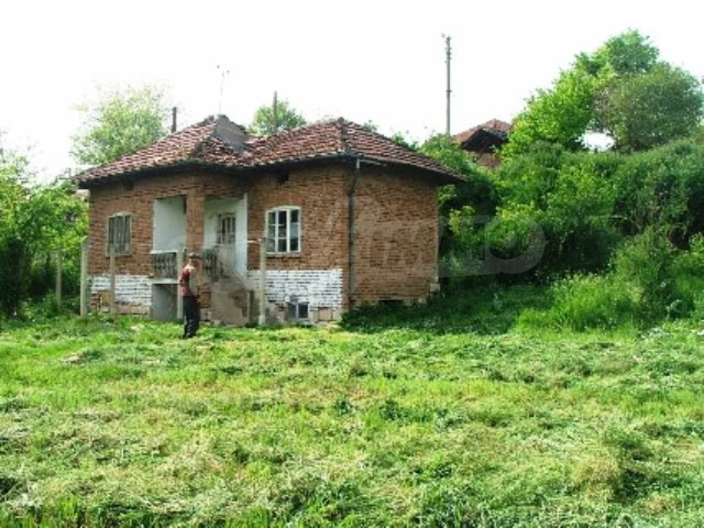 One-storey rural house in Piperkovo village, Ruse district 8