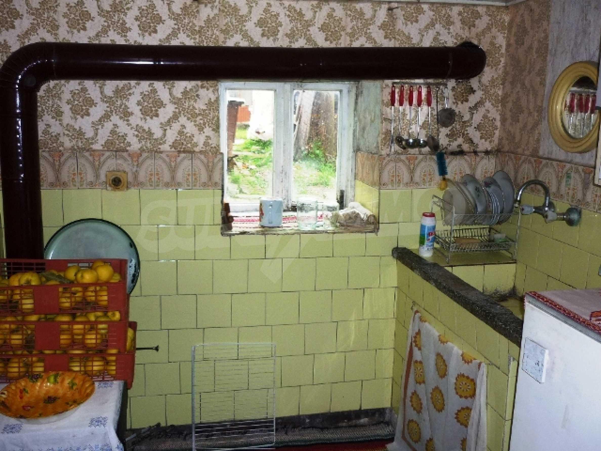 Едноетажна къща с 5 спални в село Острица, Русенско 9