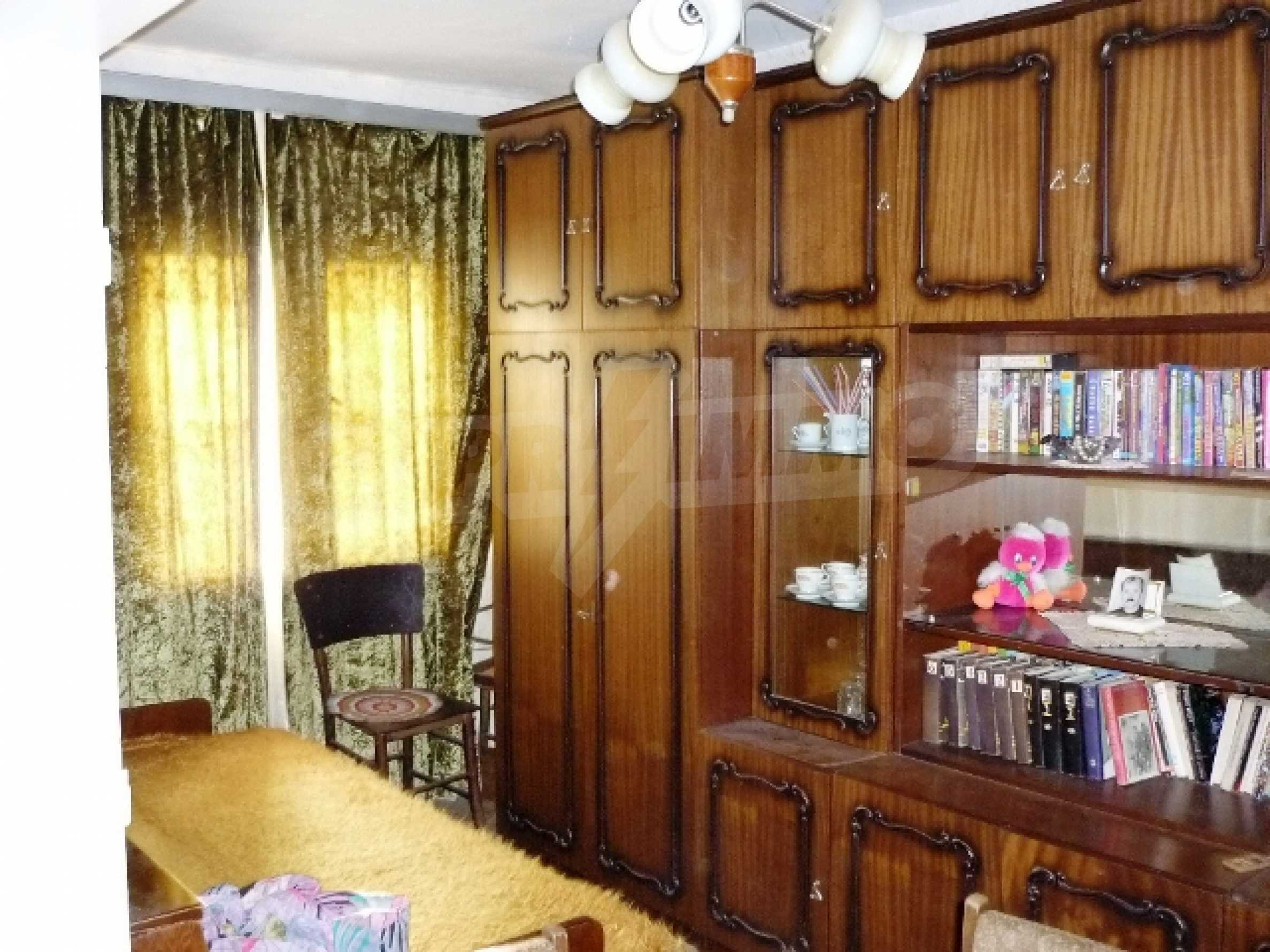 One-storey 5-bedroom house in Ostritsa village, Ruse district 15