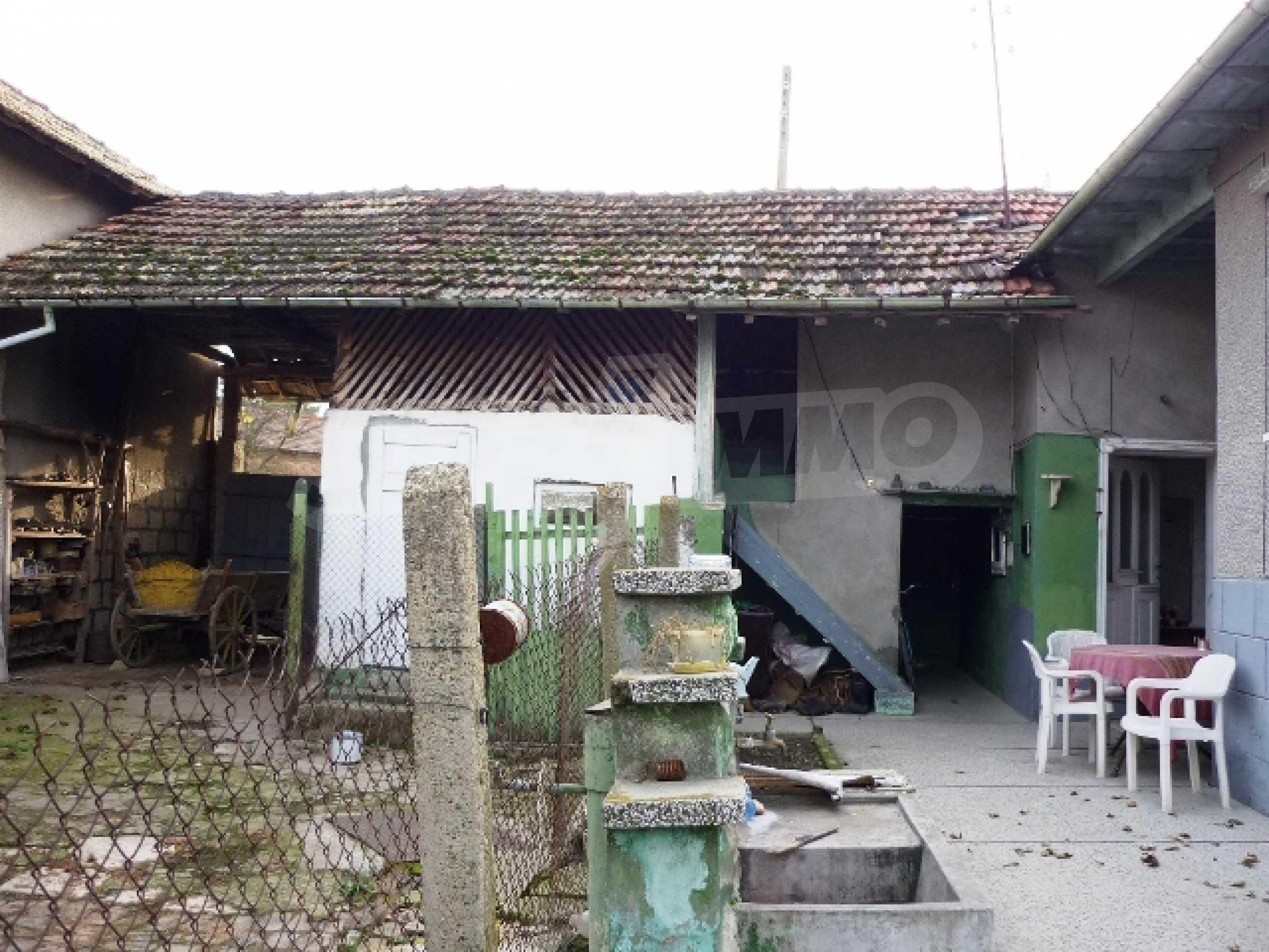 Едноетажна къща с 5 спални в село Острица, Русенско 2