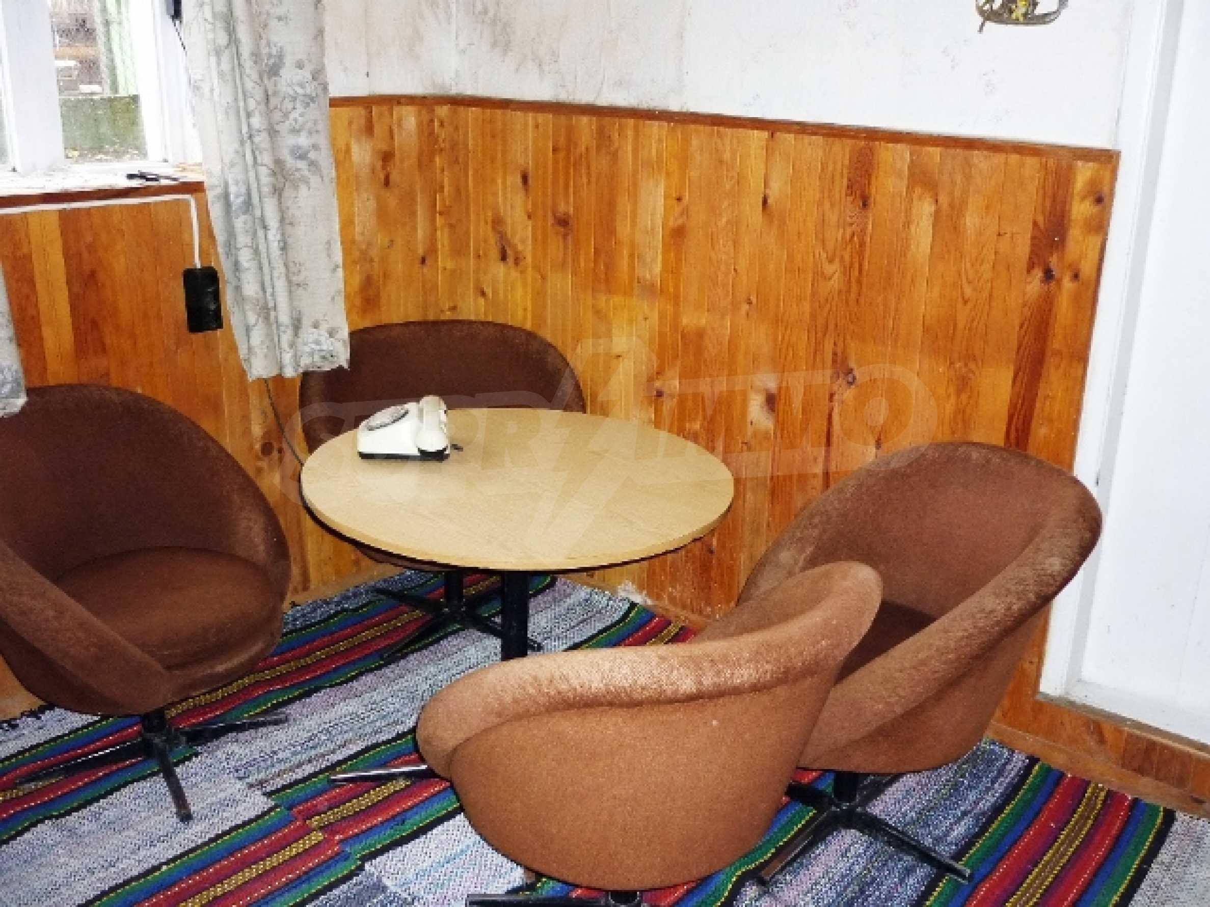 Едноетажна къща с 5 спални в село Острица, Русенско 8