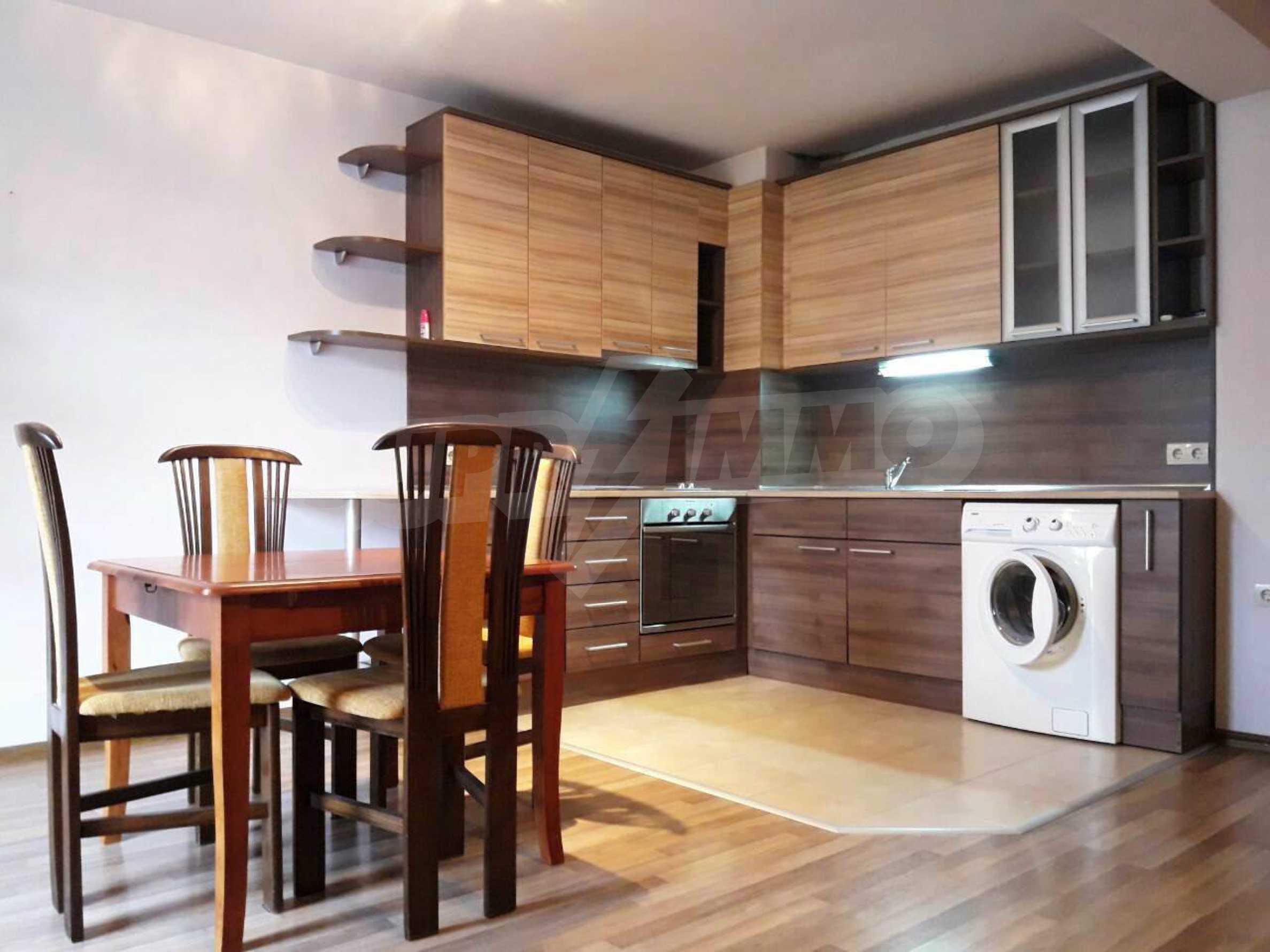 Апартамент Мери - тристаен имот в съвременна сграда на 5 мин. от Макдрайв
