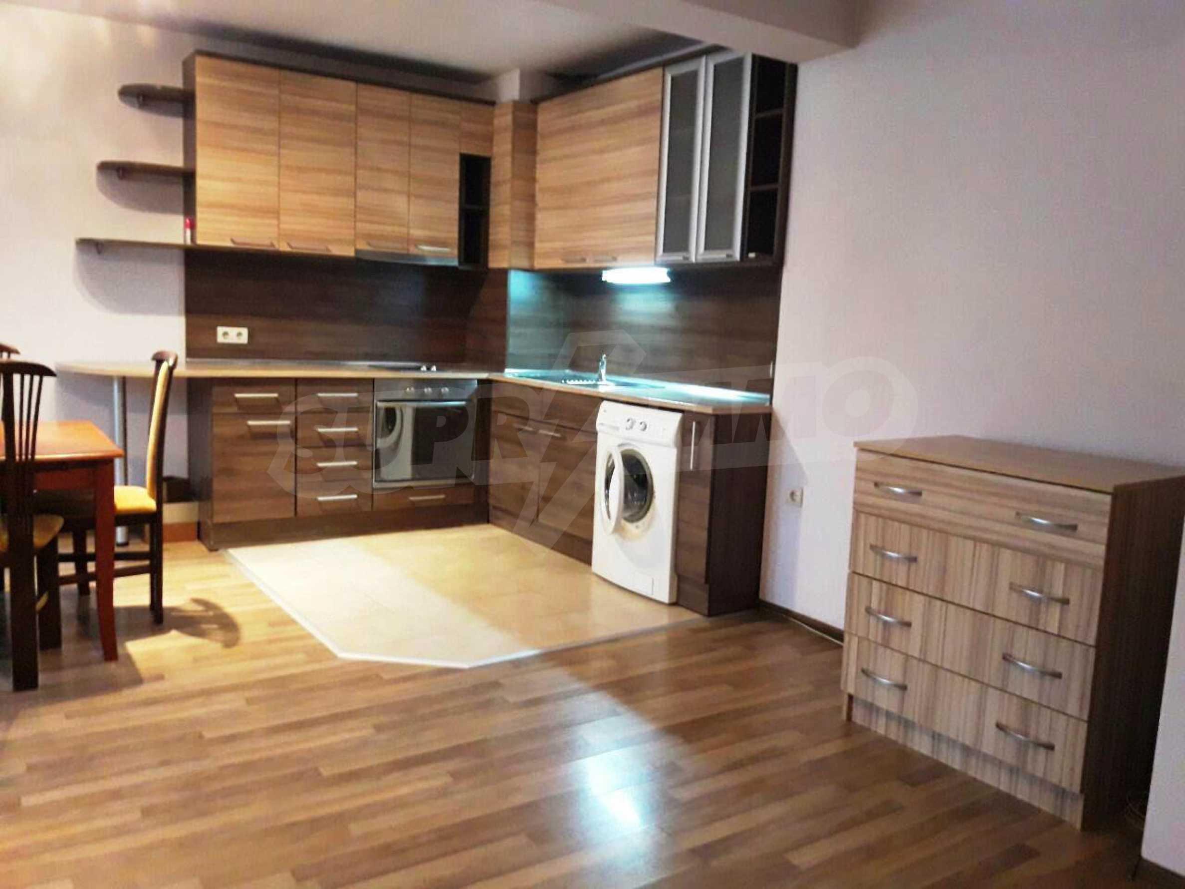 Апартамент Мери - тристаен имот в съвременна сграда на 5 мин. от Макдрайв 4