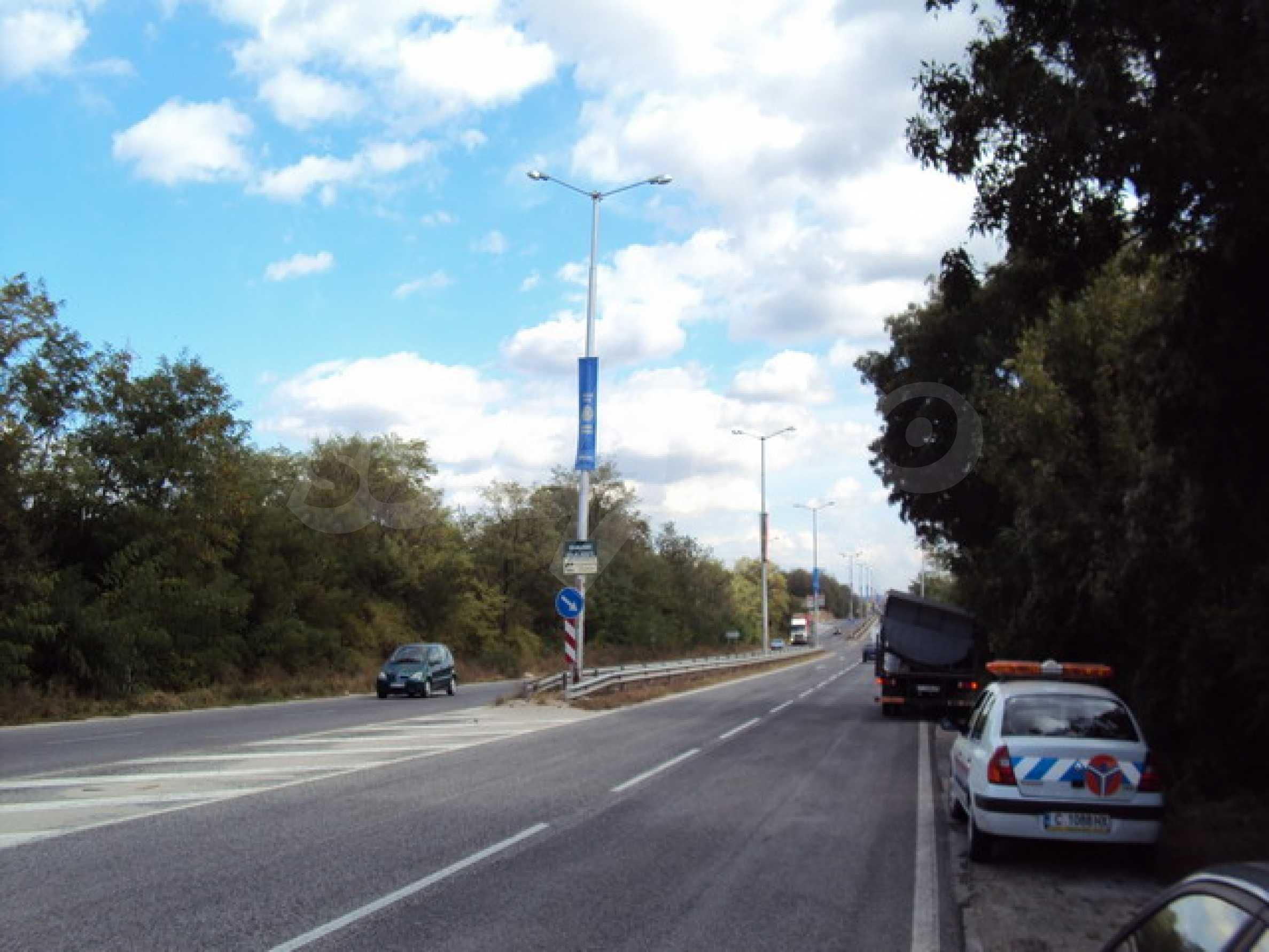 Парцел на главния път Варна-София  1