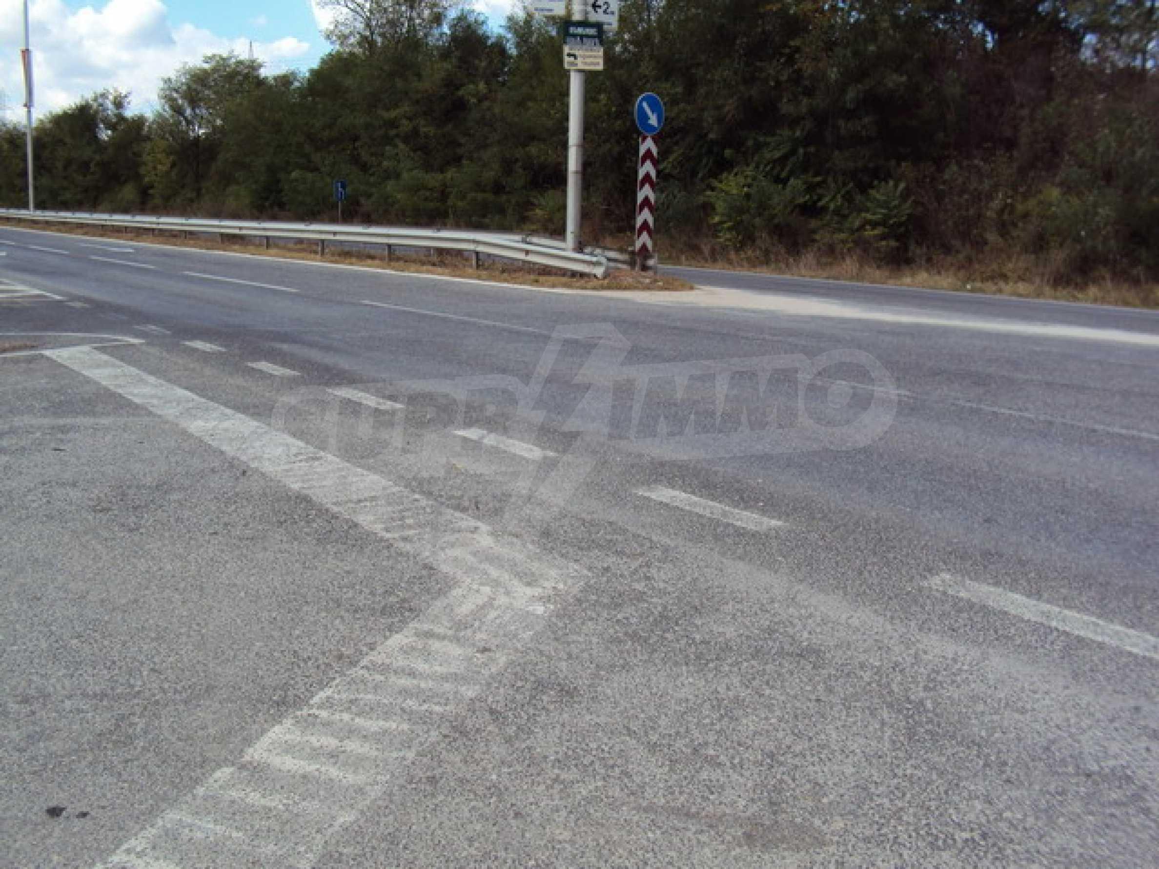 Парцел на главния път Варна-София  3