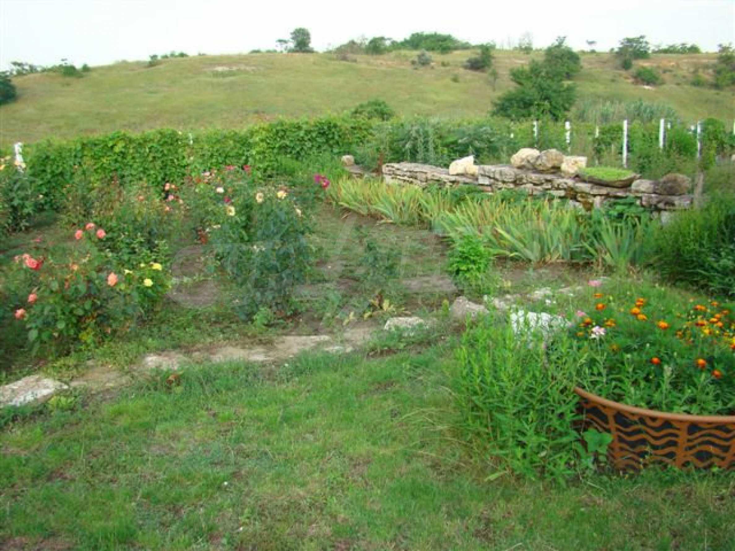 Прекрасный дом с огромным садом возле Каварны 12