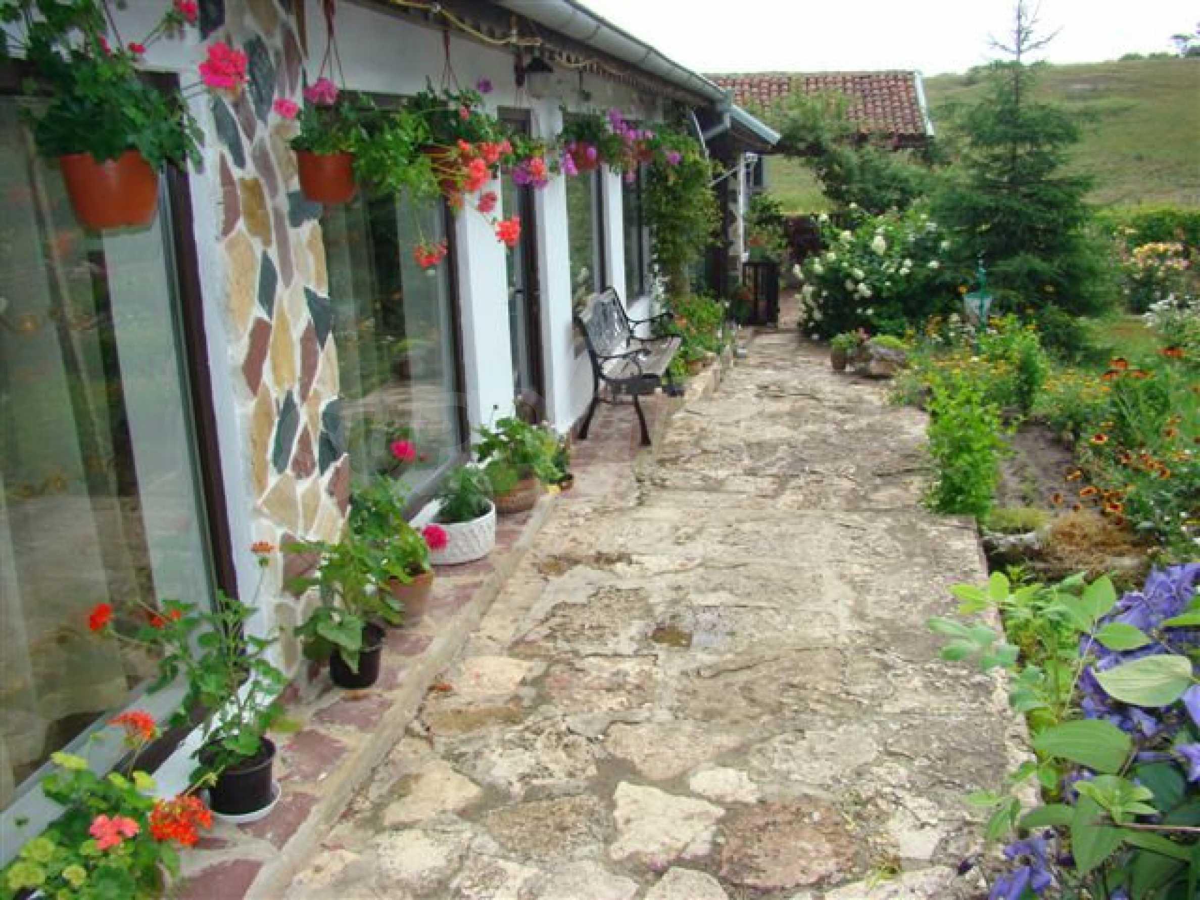 Прекрасный дом с огромным садом возле Каварны 3