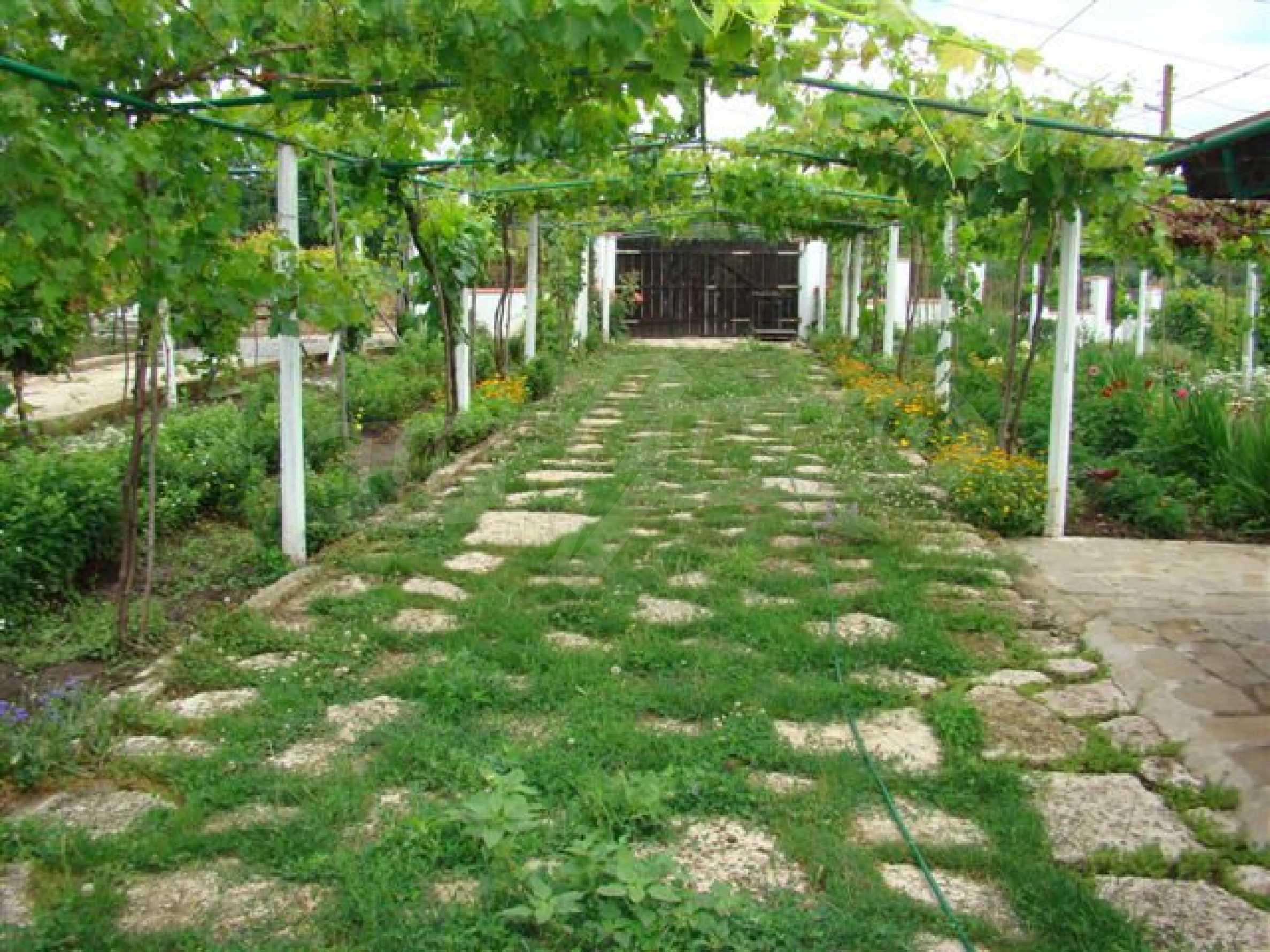Прекрасный дом с огромным садом возле Каварны 7