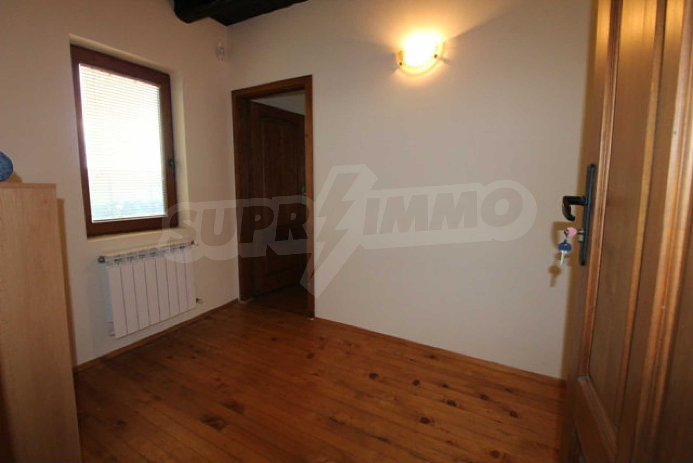 Реновирана двуетажна къща с двор само на 13 км от град Ловеч 7