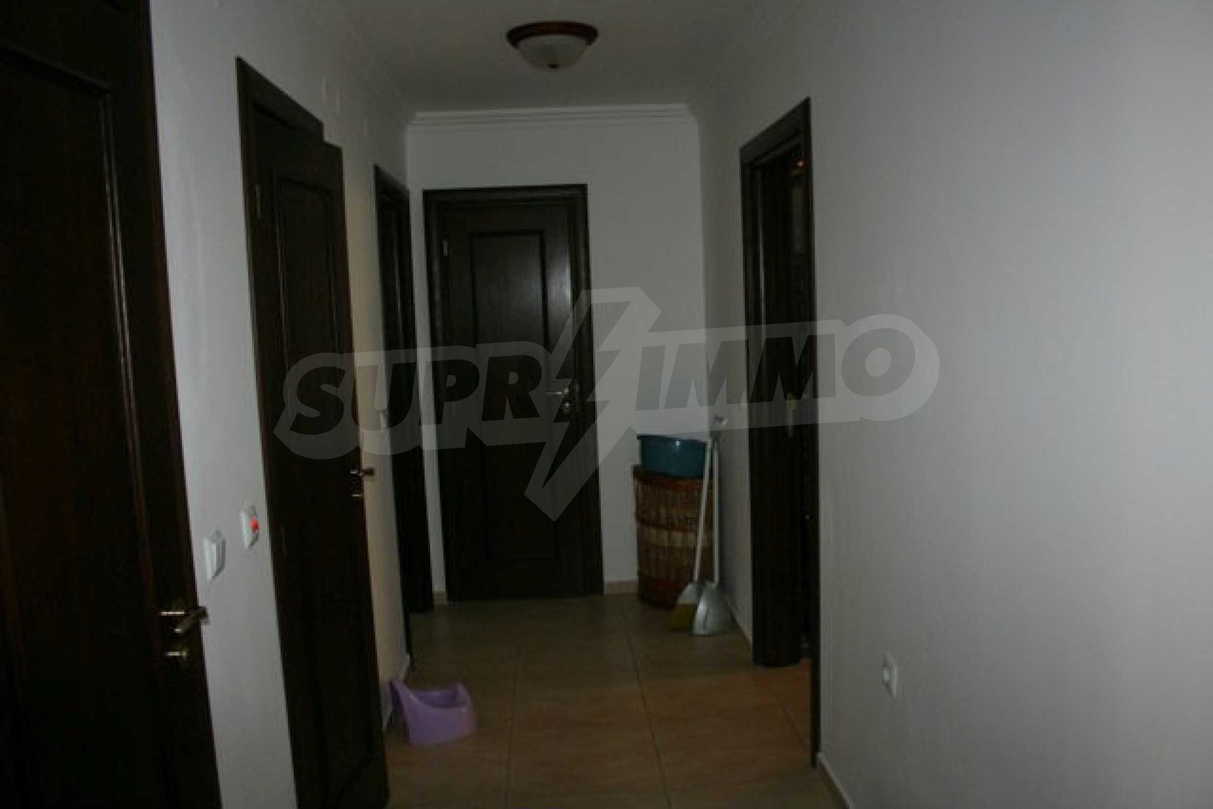 Große Wohnung in erster Meereslinie in Saint Vlas 14
