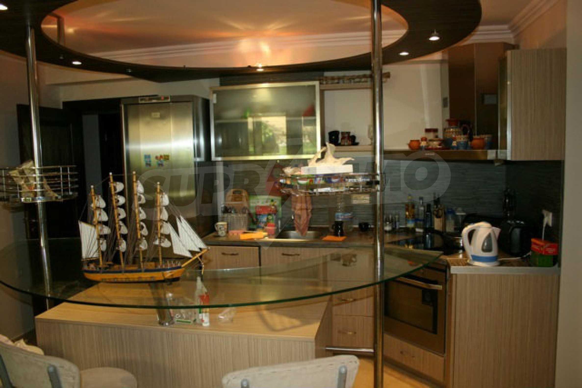 Große Wohnung in erster Meereslinie in Saint Vlas 5